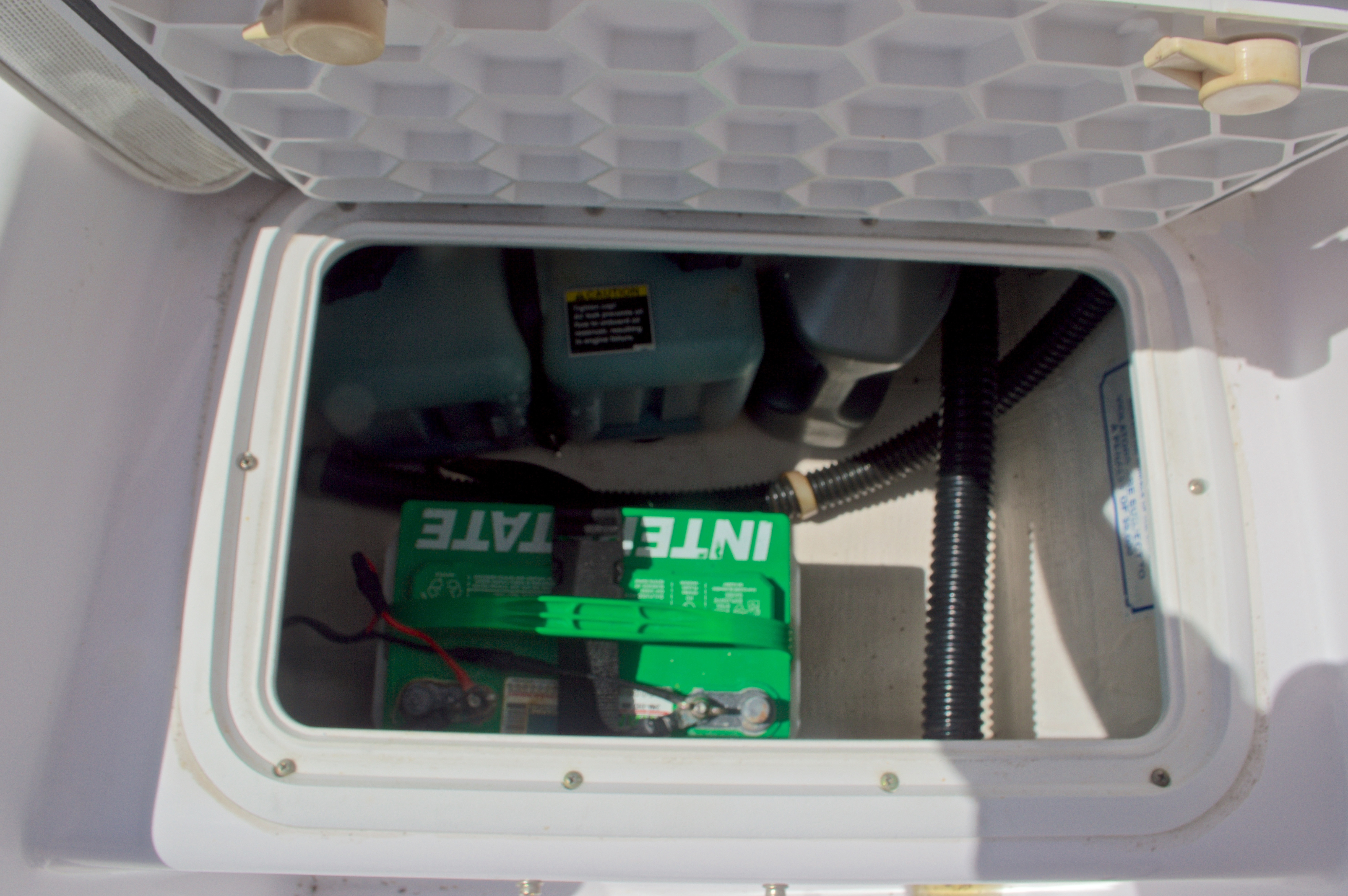 Thumbnail 21 for Used 2002 Pro-Line 22 Sport boat for sale in West Palm Beach, FL