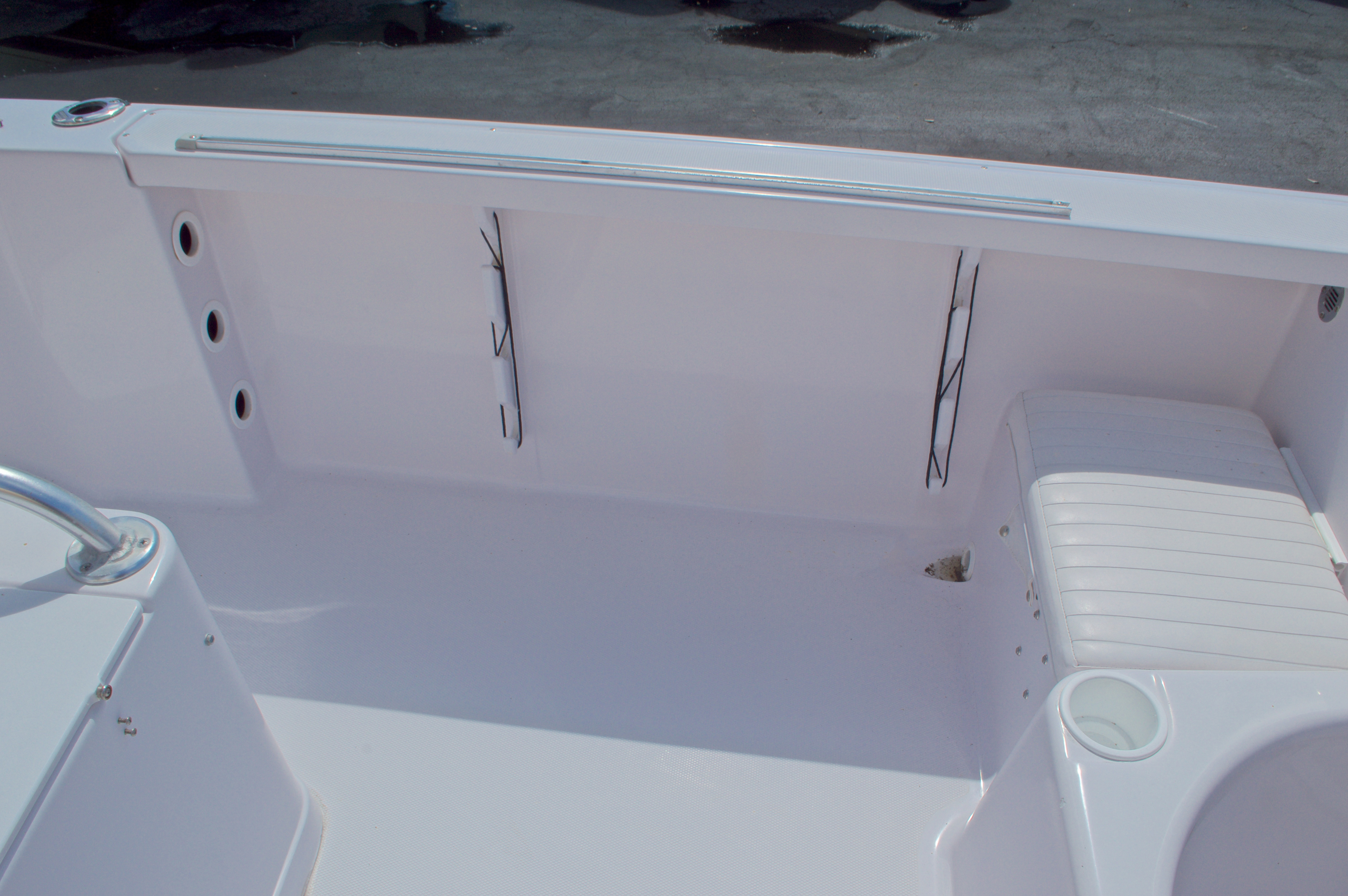 Thumbnail 23 for Used 2002 Pro-Line 22 Sport boat for sale in West Palm Beach, FL
