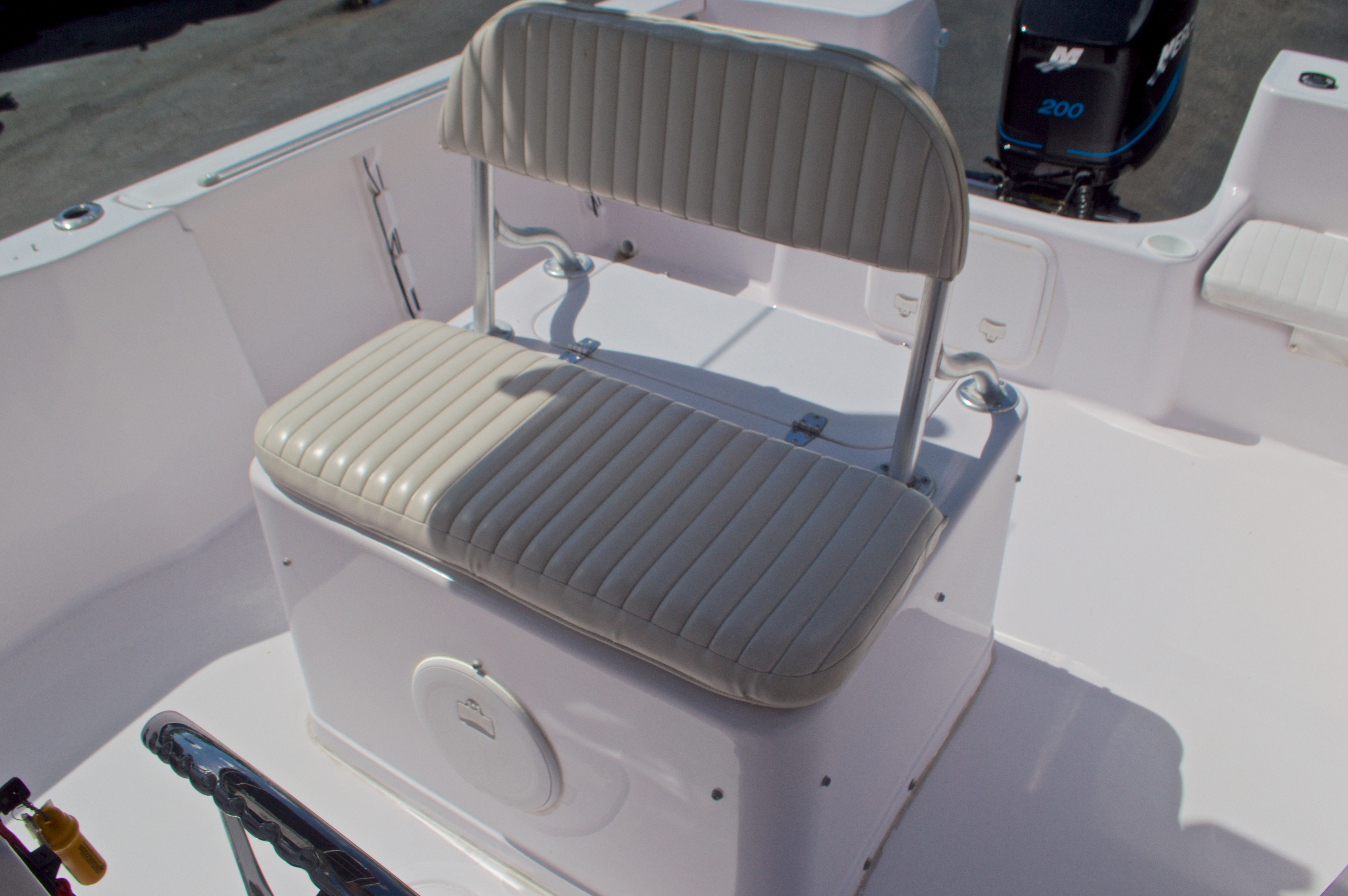 Thumbnail 26 for Used 2002 Pro-Line 22 Sport boat for sale in West Palm Beach, FL