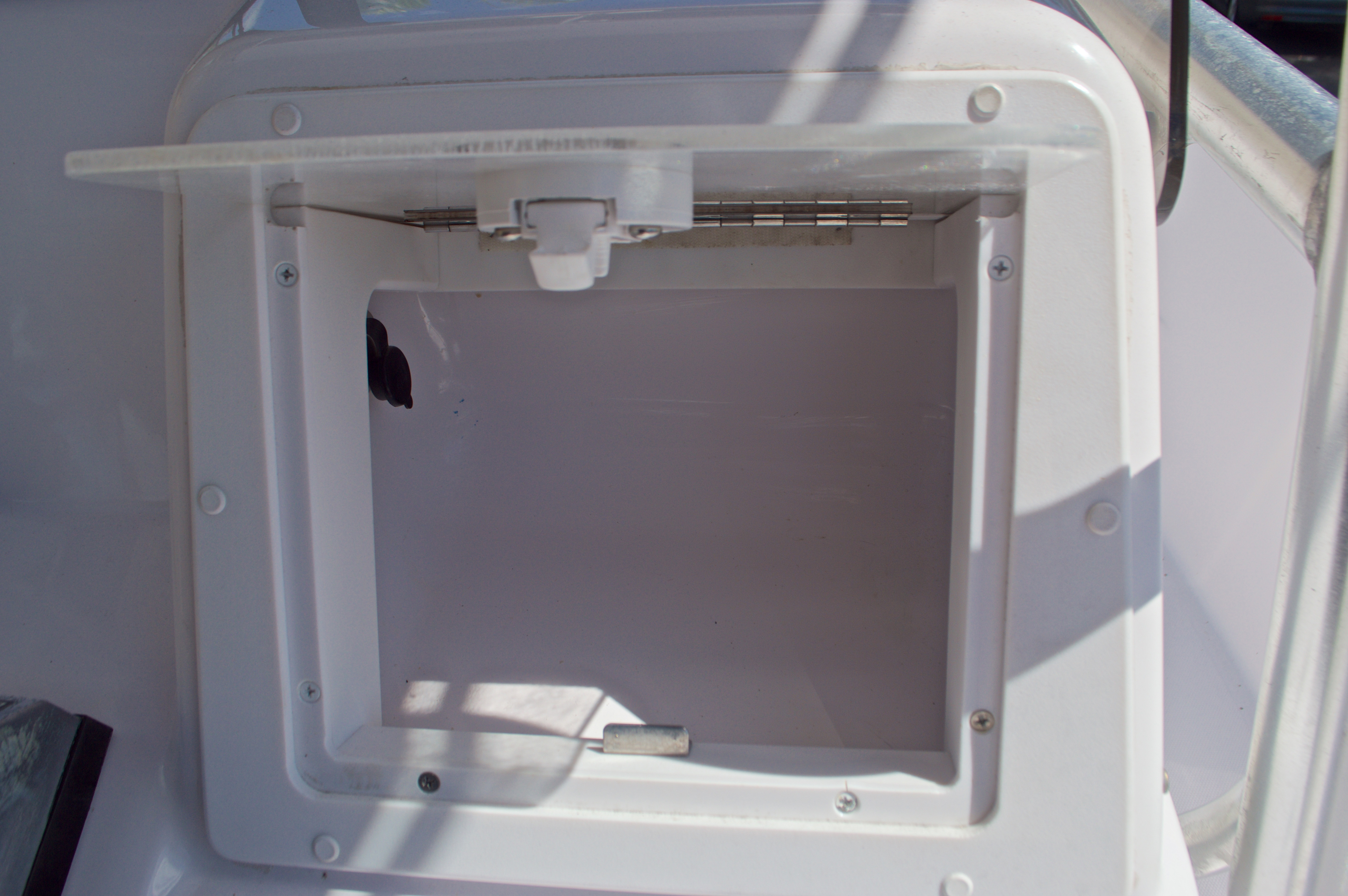 Thumbnail 37 for Used 2002 Pro-Line 22 Sport boat for sale in West Palm Beach, FL