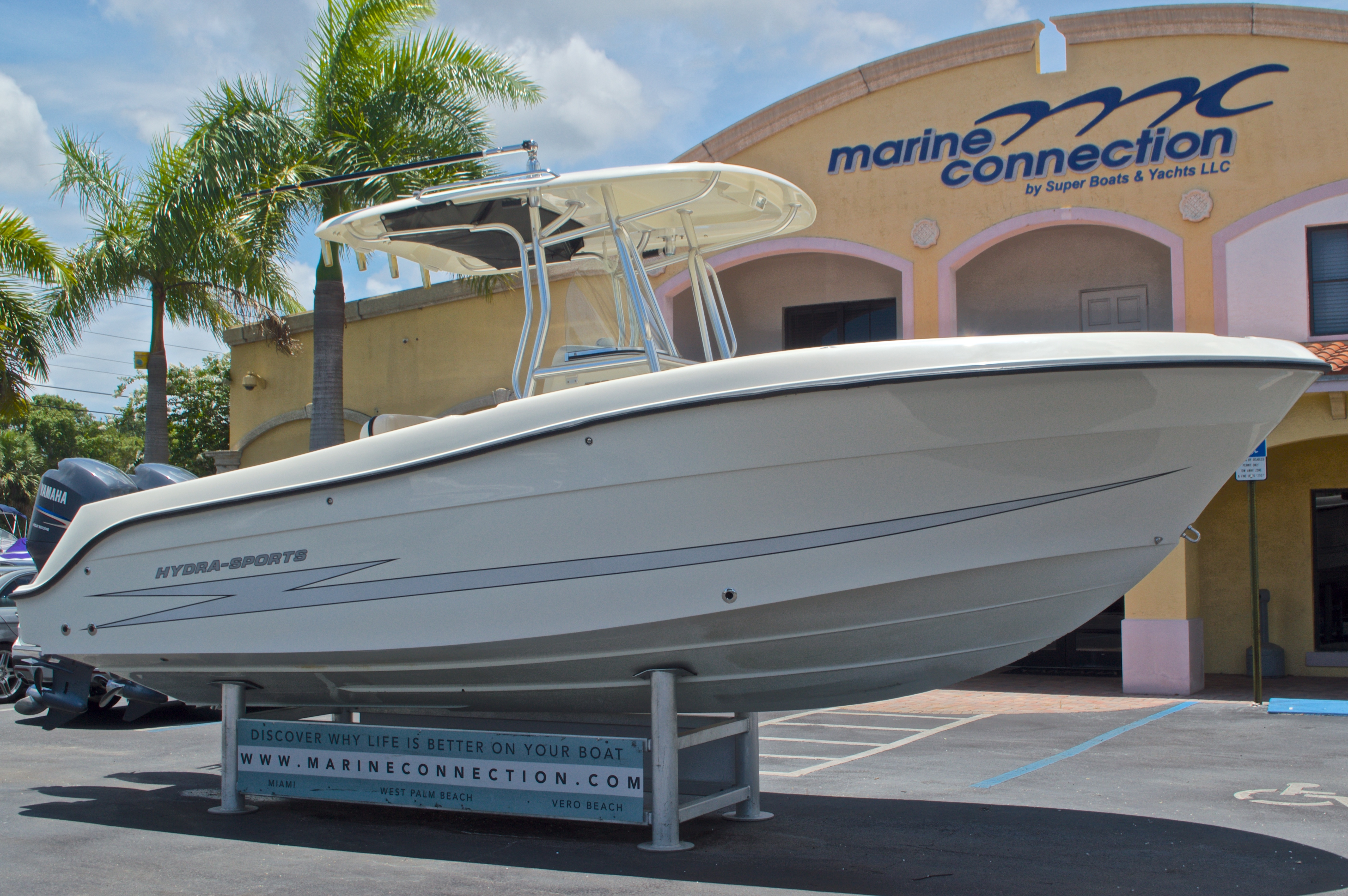 Thumbnail 1 for Used 2008 Hydra-Sports 2500 Vector Center Console boat for sale in West Palm Beach, FL