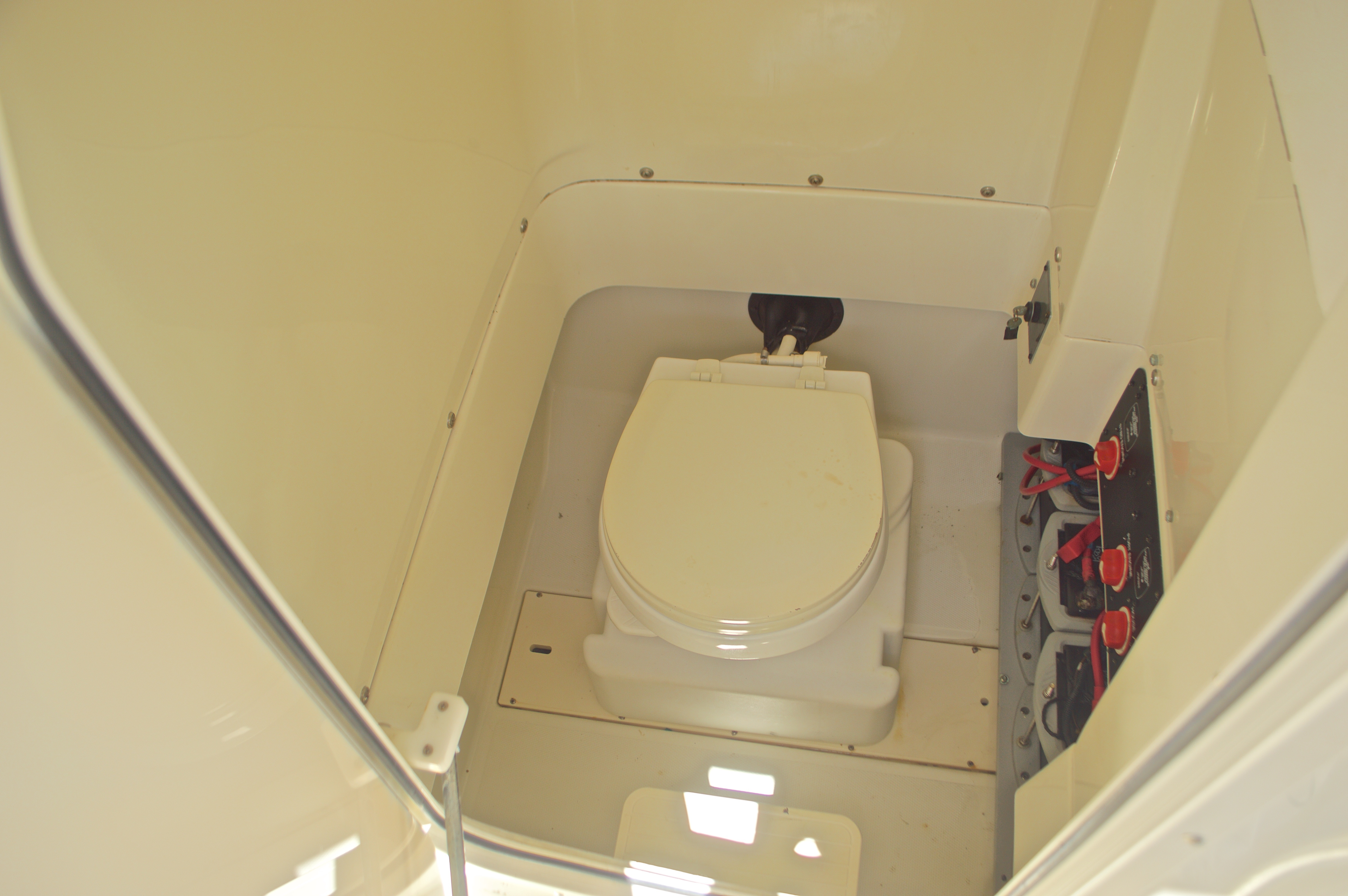 Thumbnail 54 for Used 2008 Hydra-Sports 2500 Vector Center Console boat for sale in West Palm Beach, FL