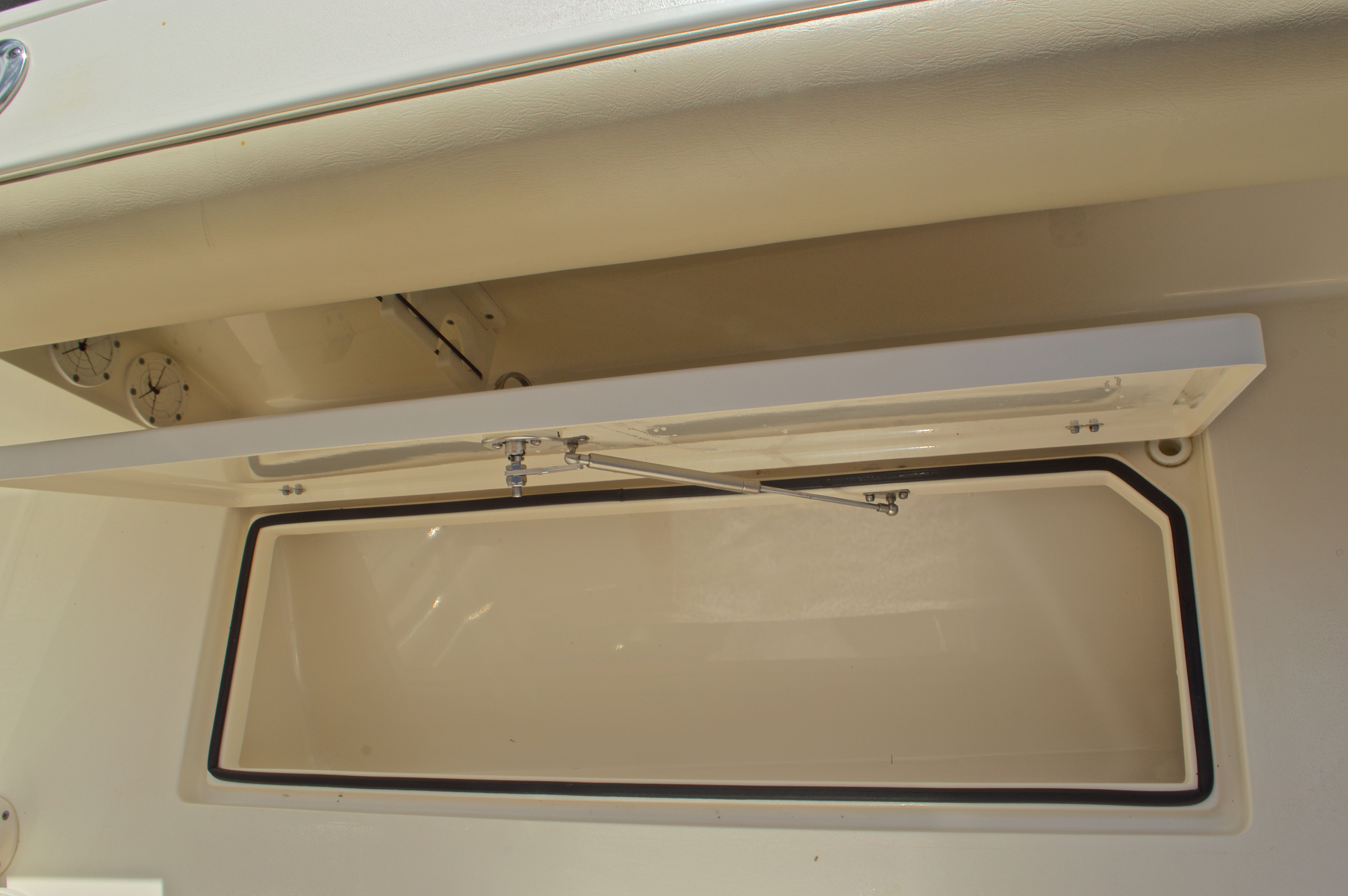 Thumbnail 29 for Used 2014 Cobia 256 Center Console boat for sale in West Palm Beach, FL