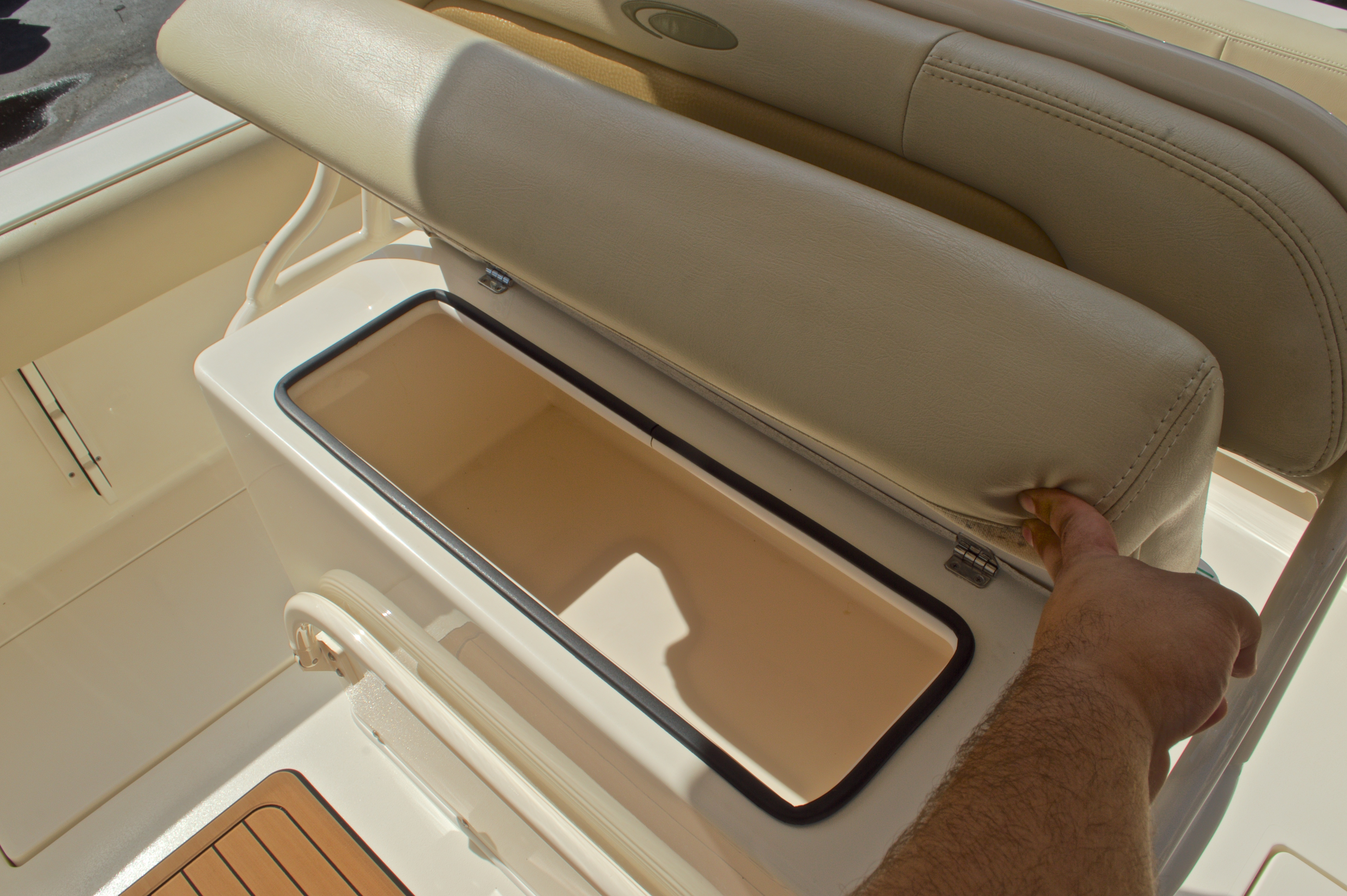 Thumbnail 33 for Used 2014 Cobia 256 Center Console boat for sale in West Palm Beach, FL