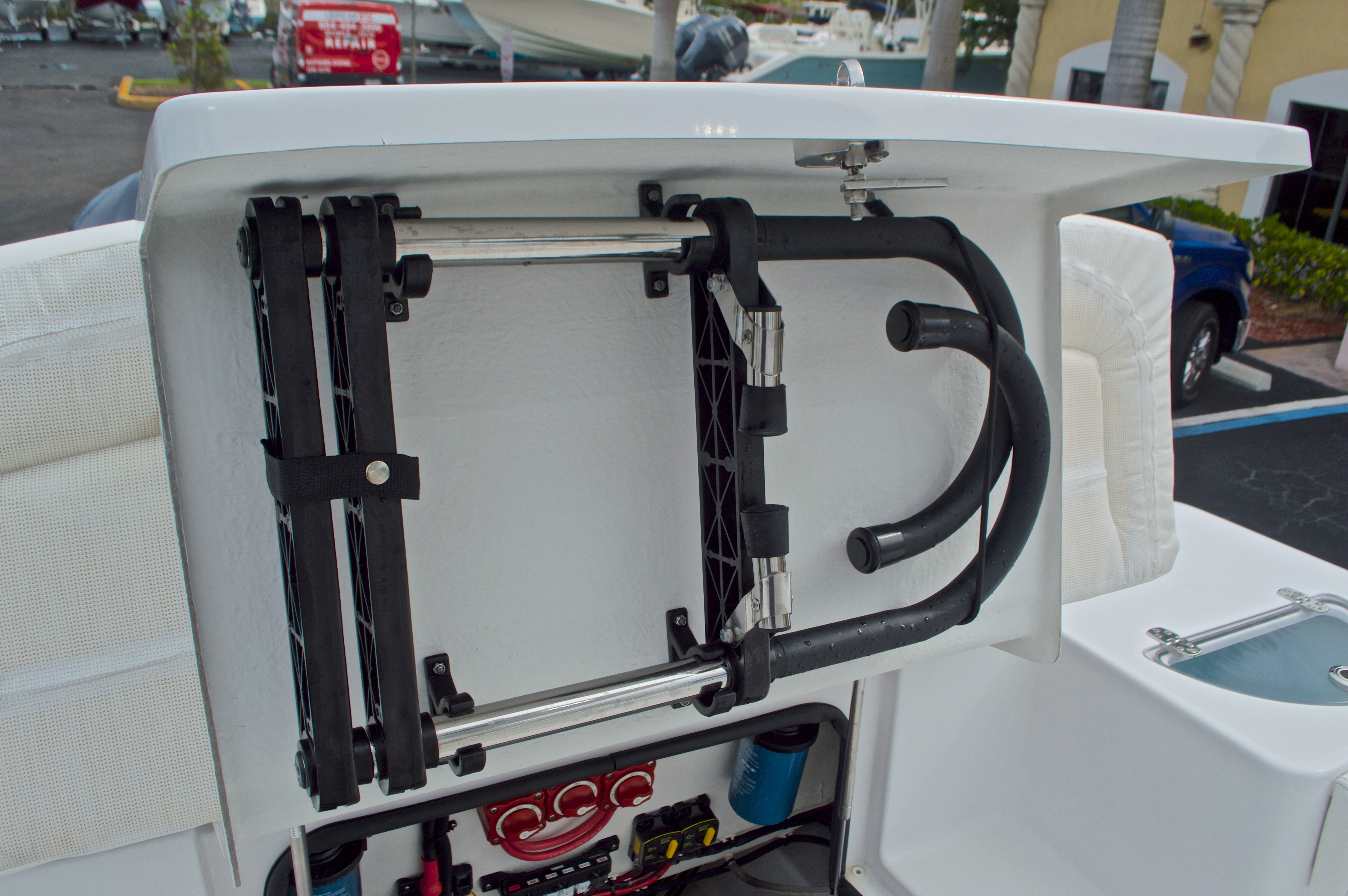 Thumbnail 18 for Used 2015 Sportsman Heritage 251 Center Console boat for sale in West Palm Beach, FL