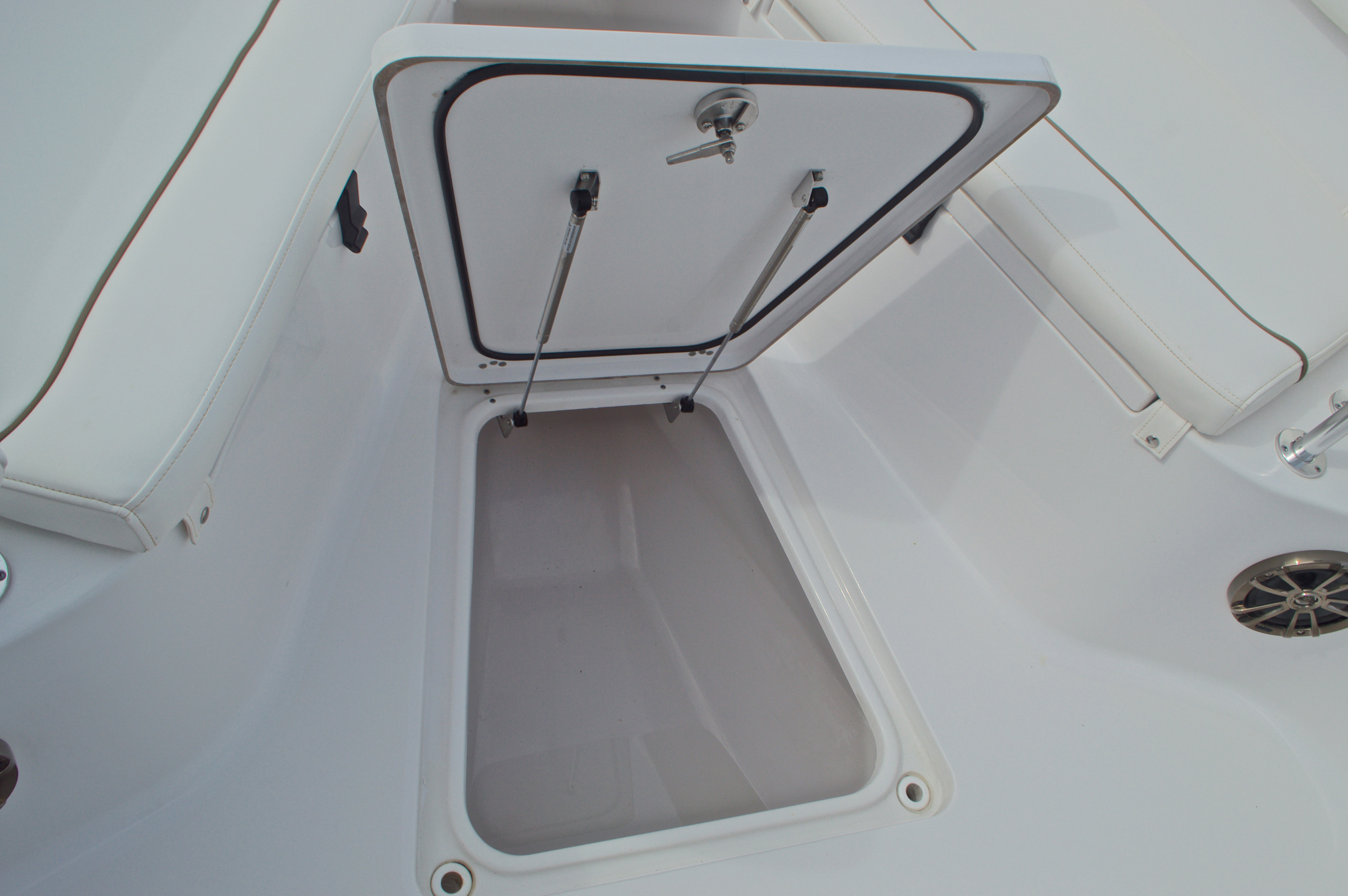 Thumbnail 52 for Used 2015 Sportsman Heritage 251 Center Console boat for sale in West Palm Beach, FL