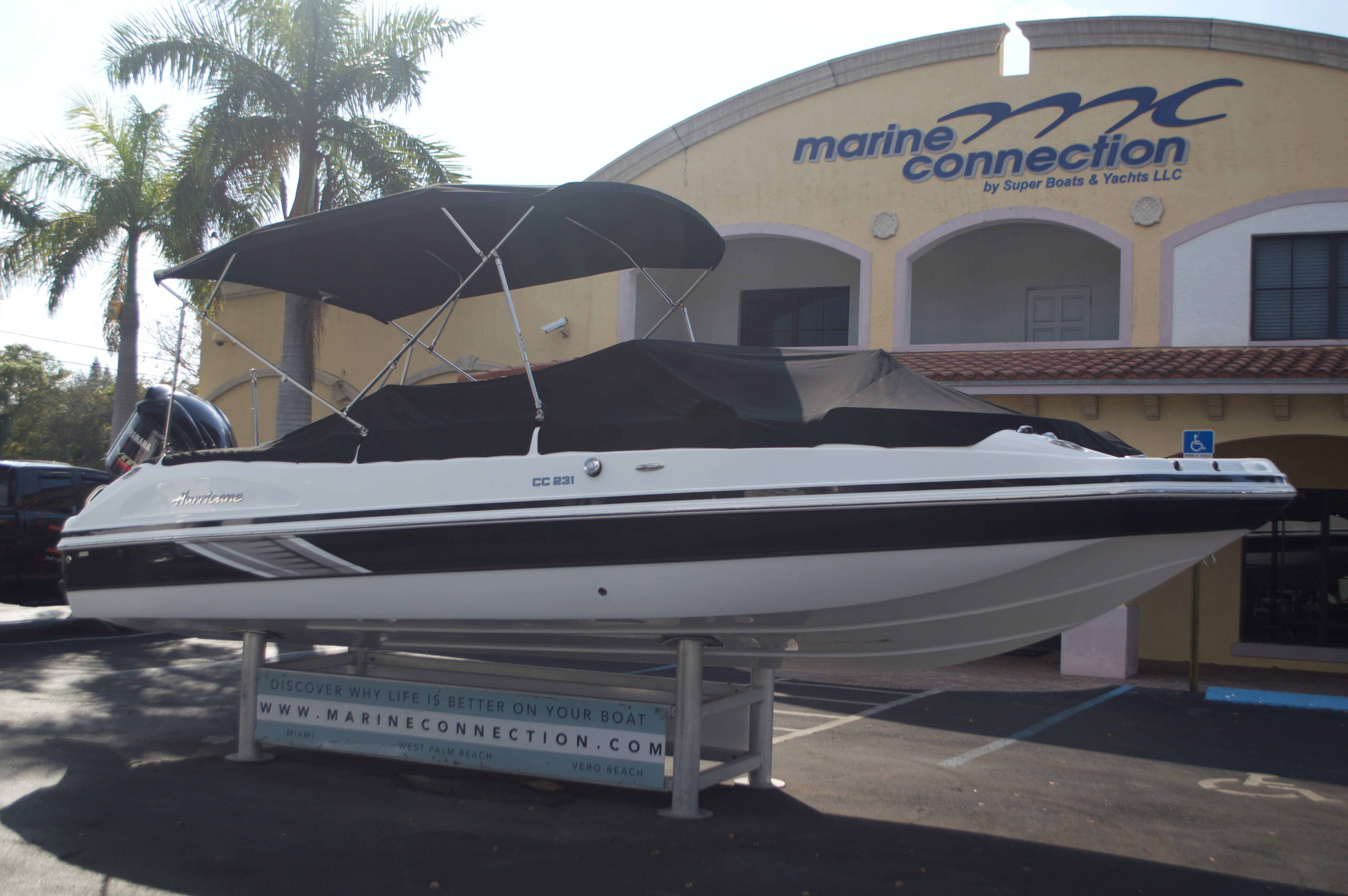 Thumbnail 10 for New 2016 Hurricane Sundeck Sport SS 231 OB boat for sale in West Palm Beach, FL