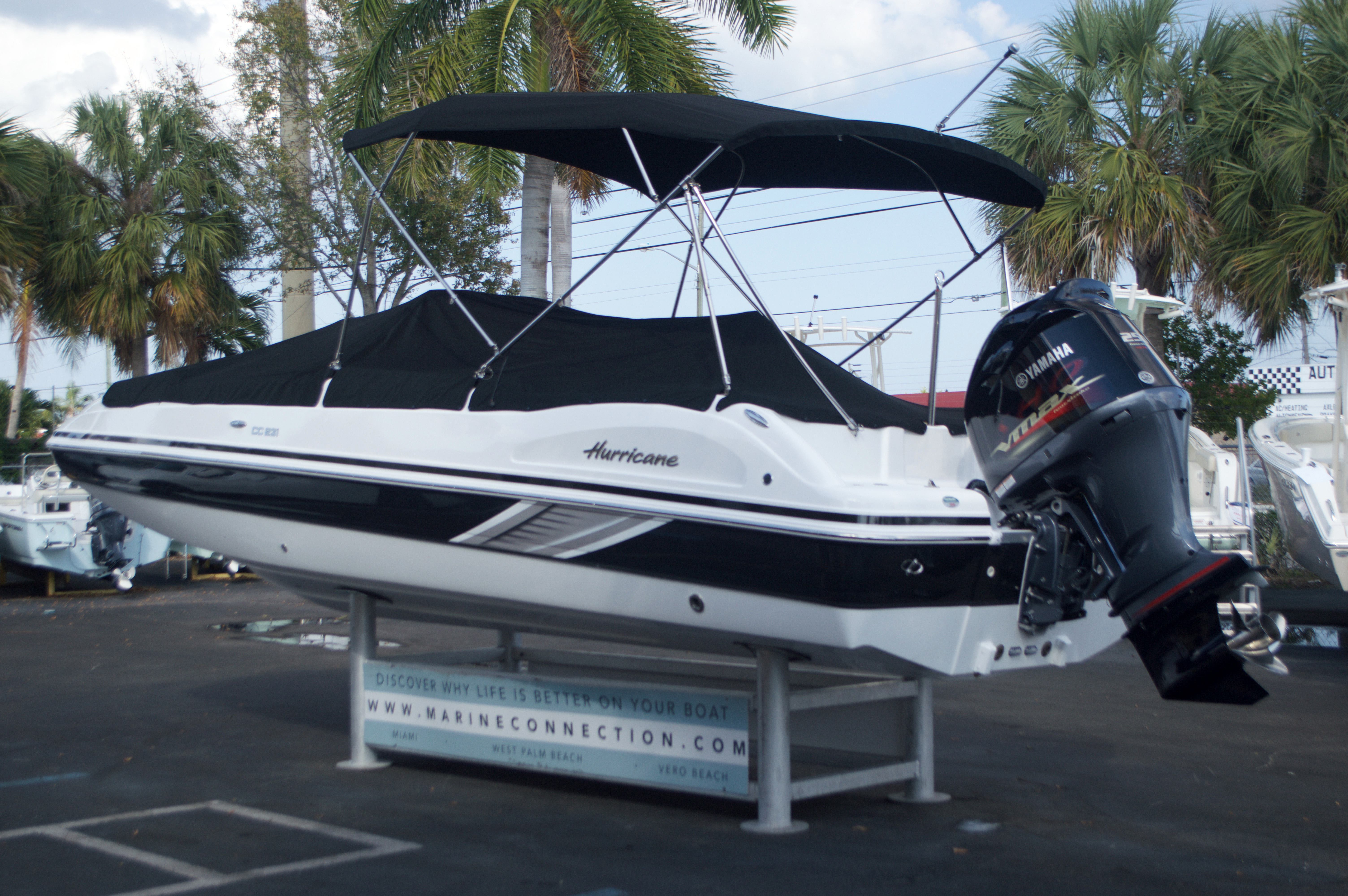 Thumbnail 14 for New 2016 Hurricane Sundeck Sport SS 231 OB boat for sale in West Palm Beach, FL