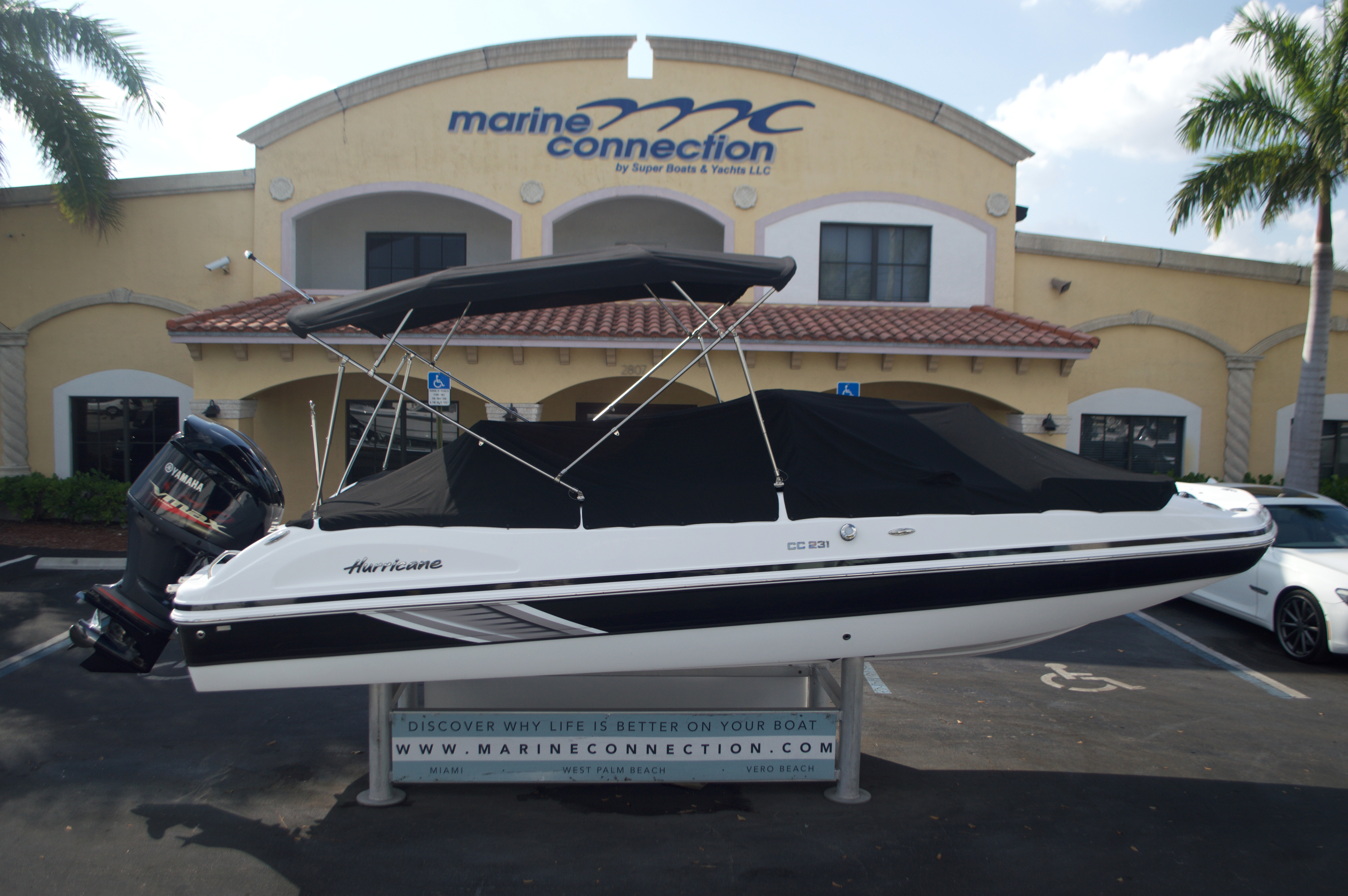 Thumbnail 9 for New 2016 Hurricane Sundeck Sport SS 231 OB boat for sale in West Palm Beach, FL