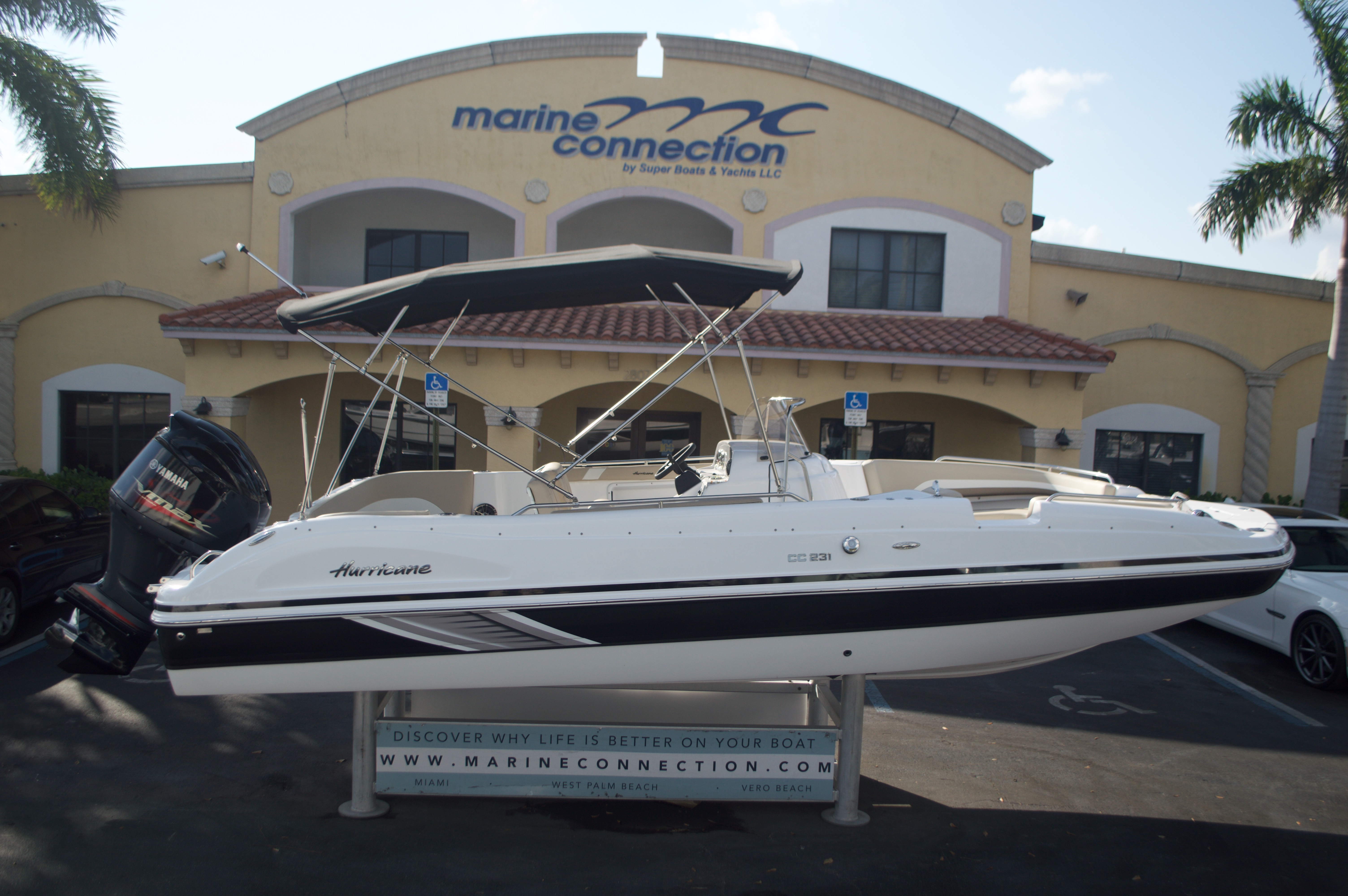 Thumbnail 1 for New 2016 Hurricane Sundeck Sport SS 231 OB boat for sale in West Palm Beach, FL