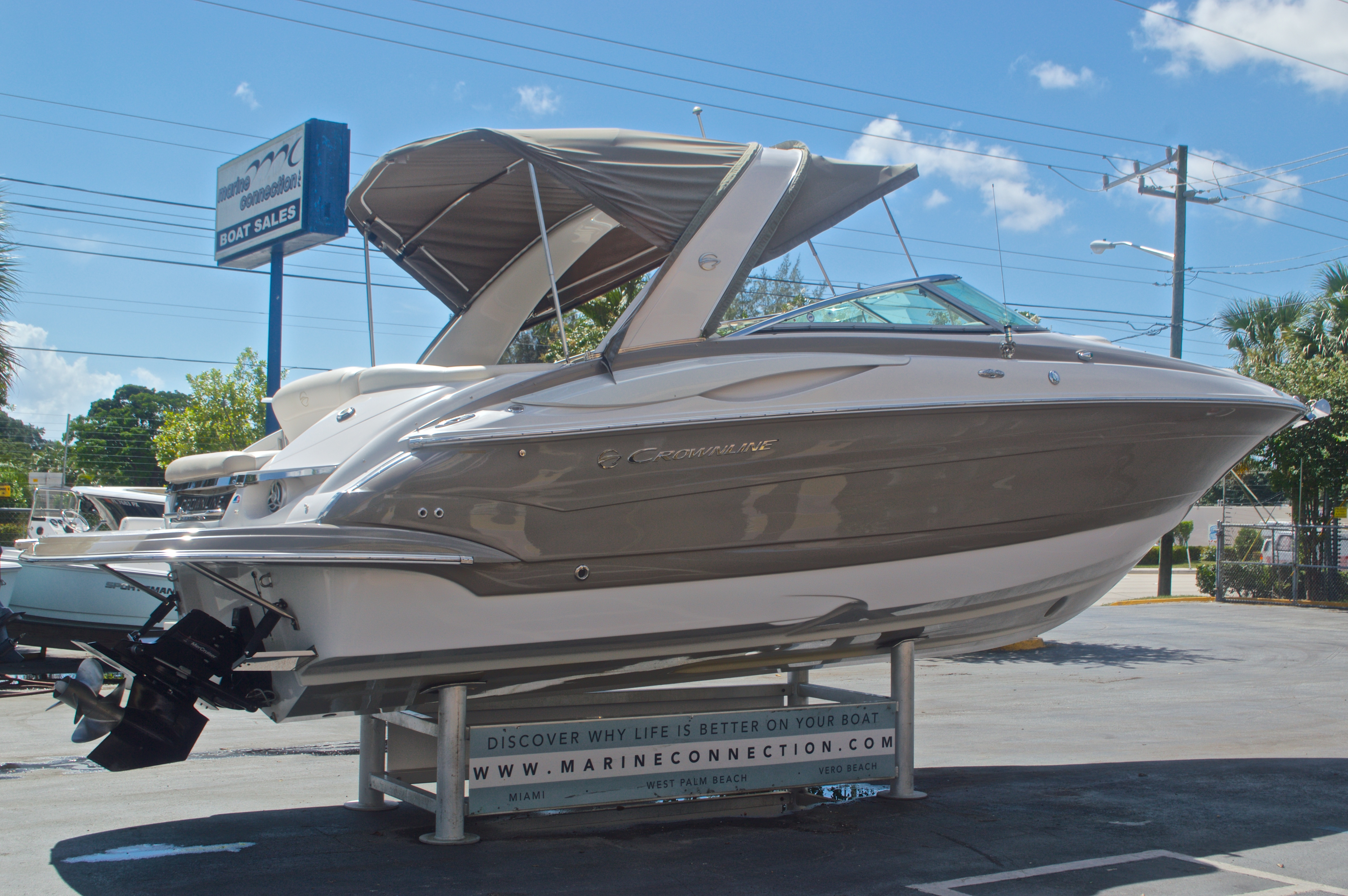 Thumbnail 4 for Used 2009 Crownline 300 LS boat for sale in West Palm Beach, FL