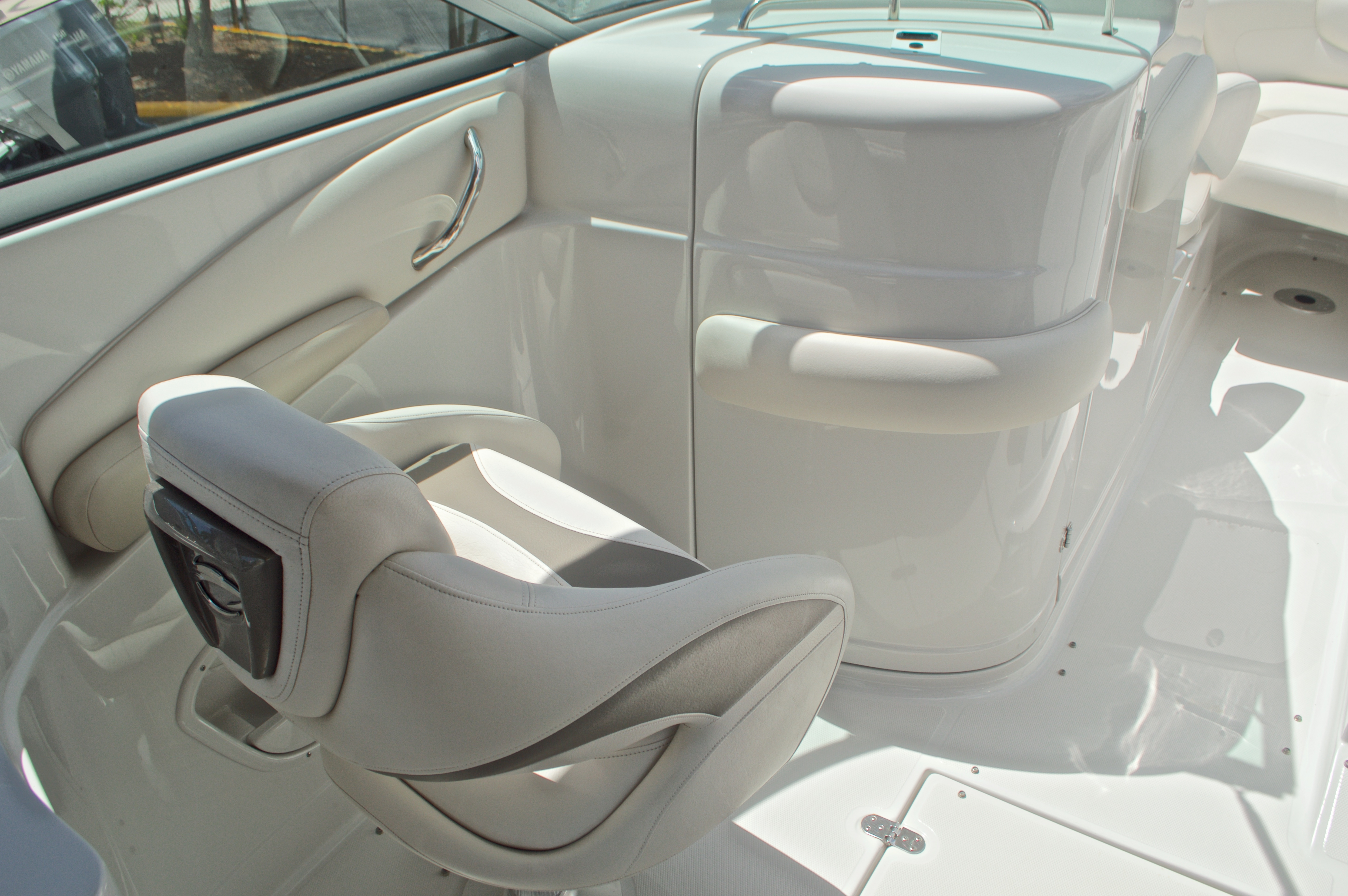 Thumbnail 38 for Used 2009 Crownline 300 LS boat for sale in West Palm Beach, FL
