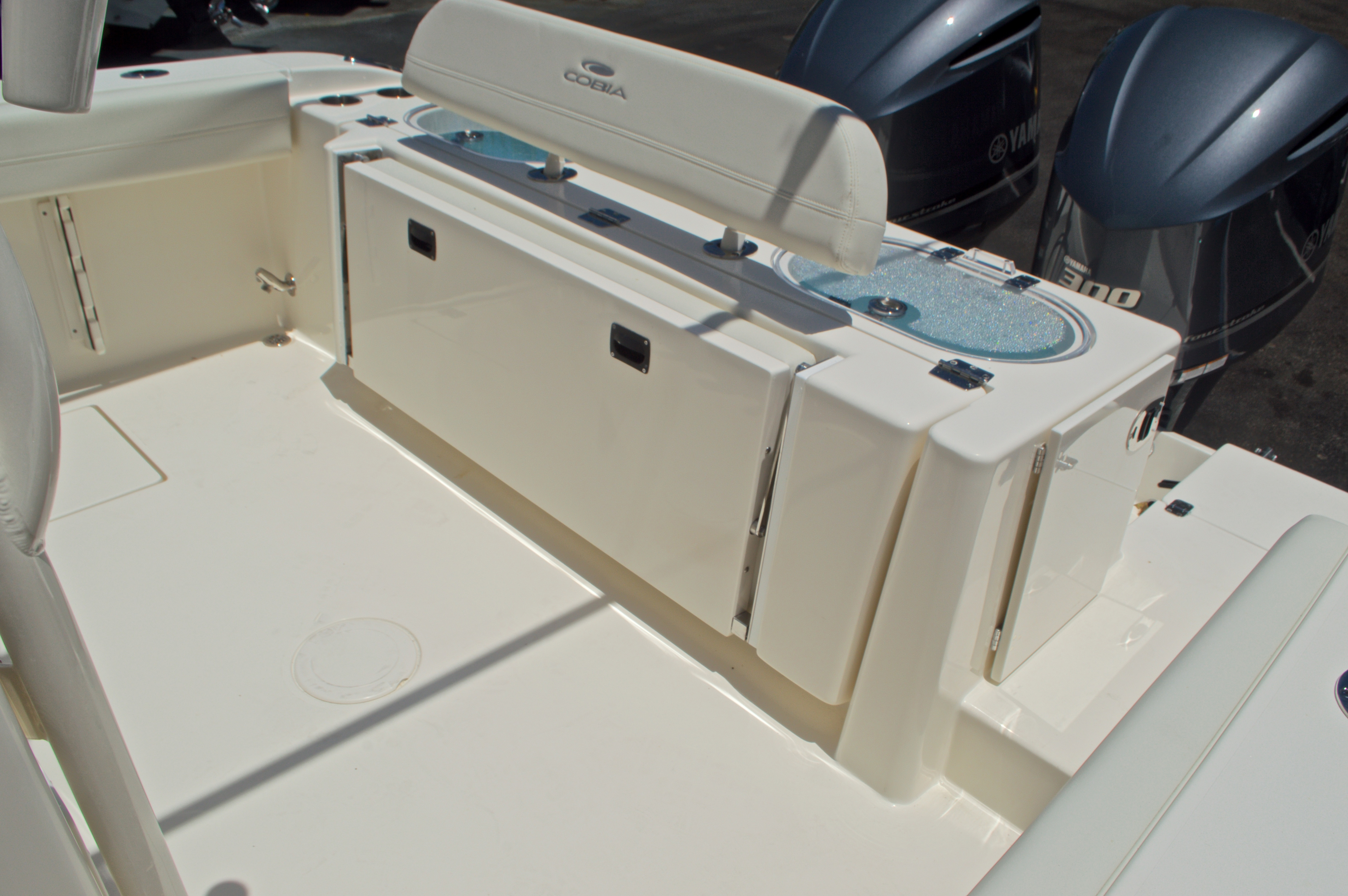 Thumbnail 13 for New 2017 Cobia 296 Center Console boat for sale in Vero Beach, FL