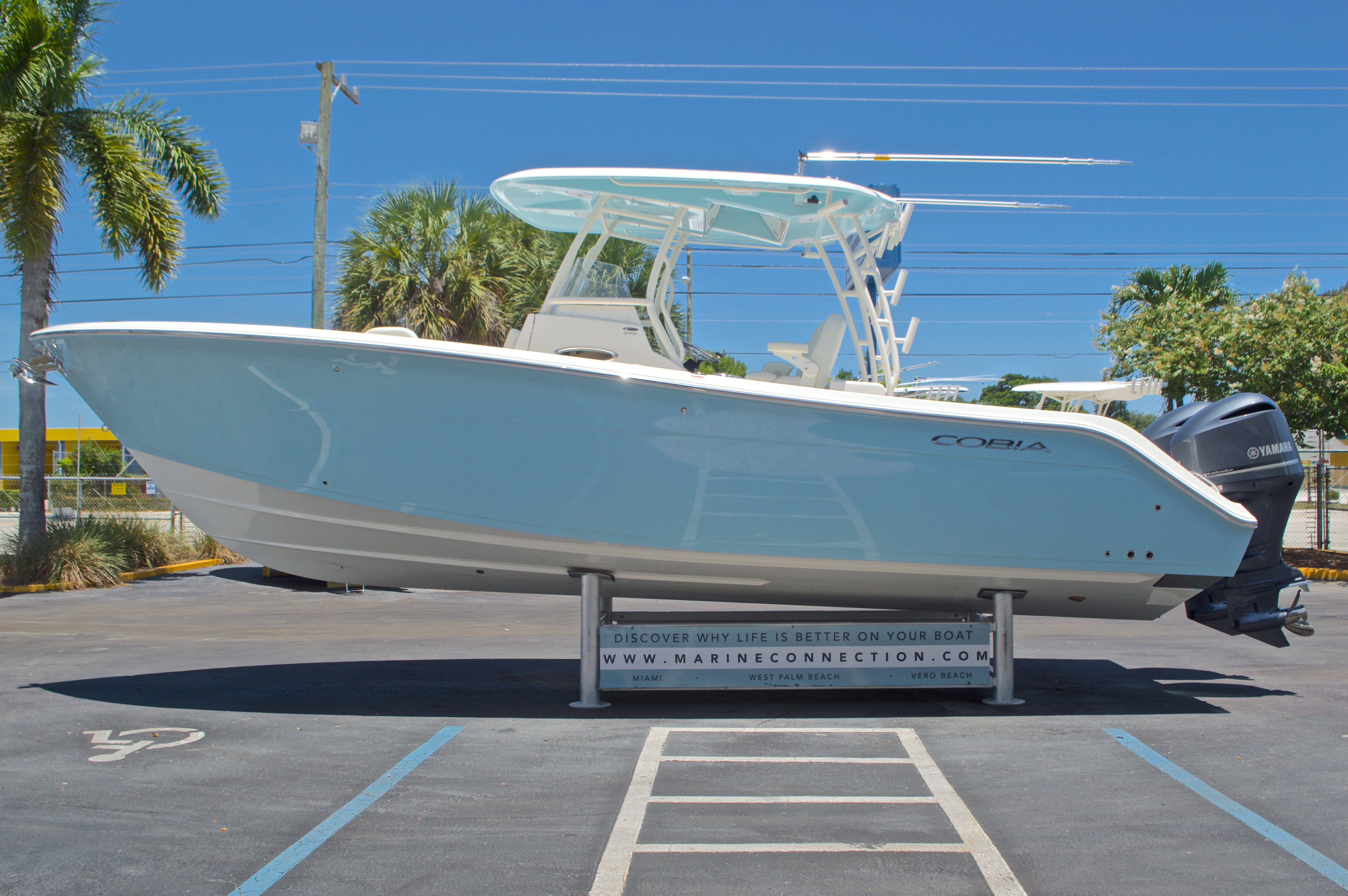 Thumbnail 4 for New 2017 Cobia 296 Center Console boat for sale in Vero Beach, FL