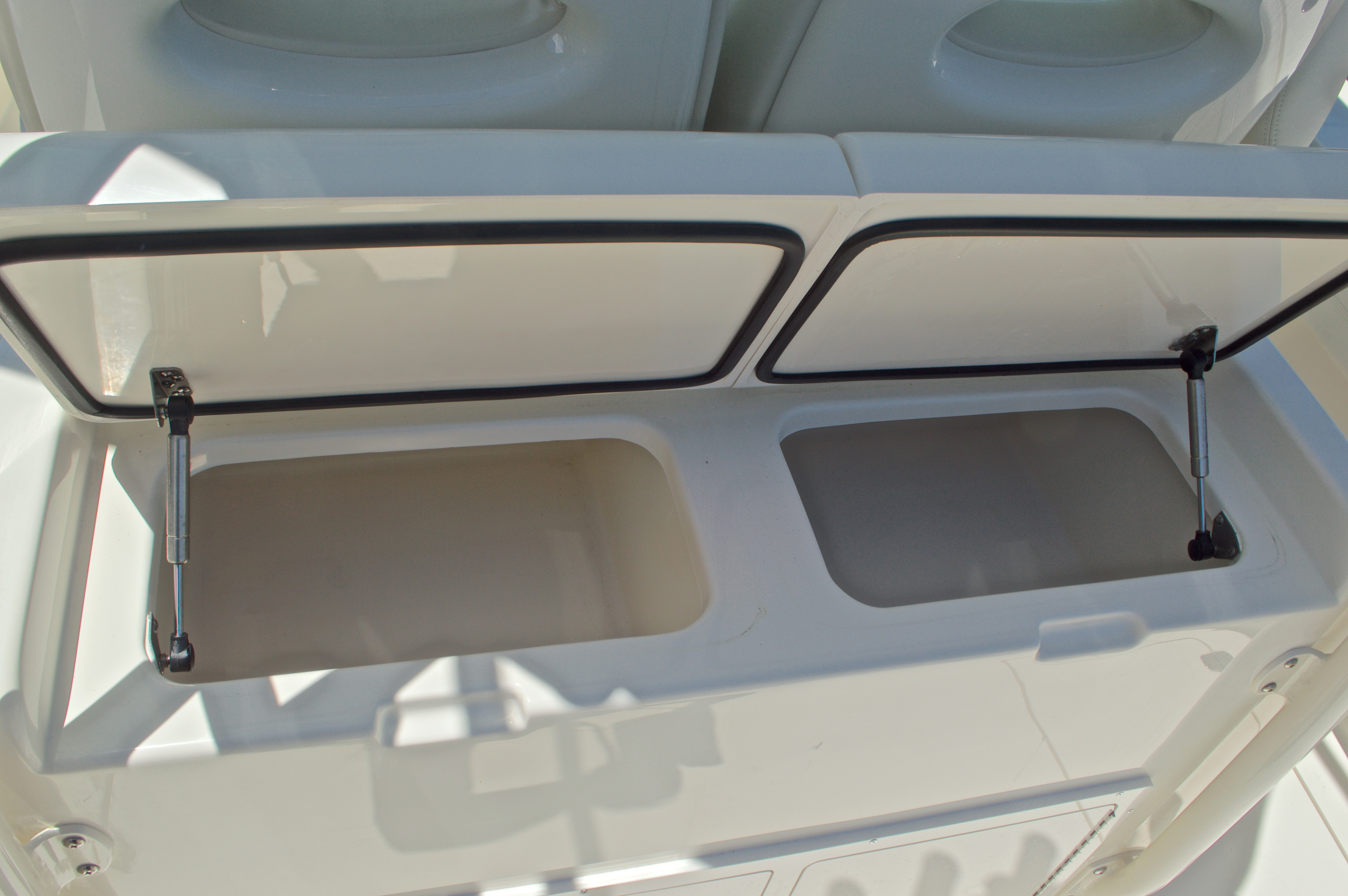 Thumbnail 27 for New 2017 Cobia 296 Center Console boat for sale in Vero Beach, FL