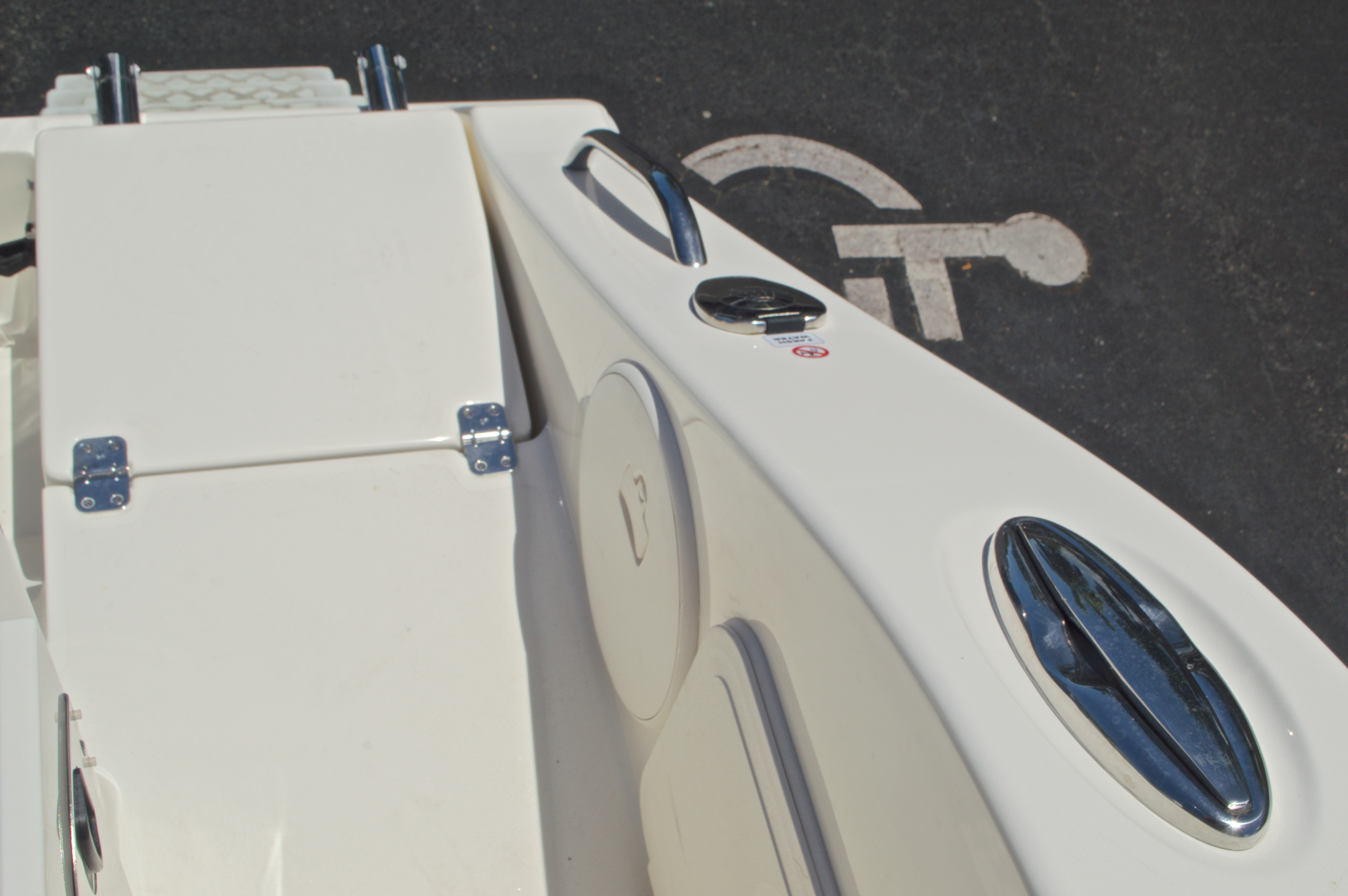 Thumbnail 18 for New 2017 Cobia 296 Center Console boat for sale in Vero Beach, FL