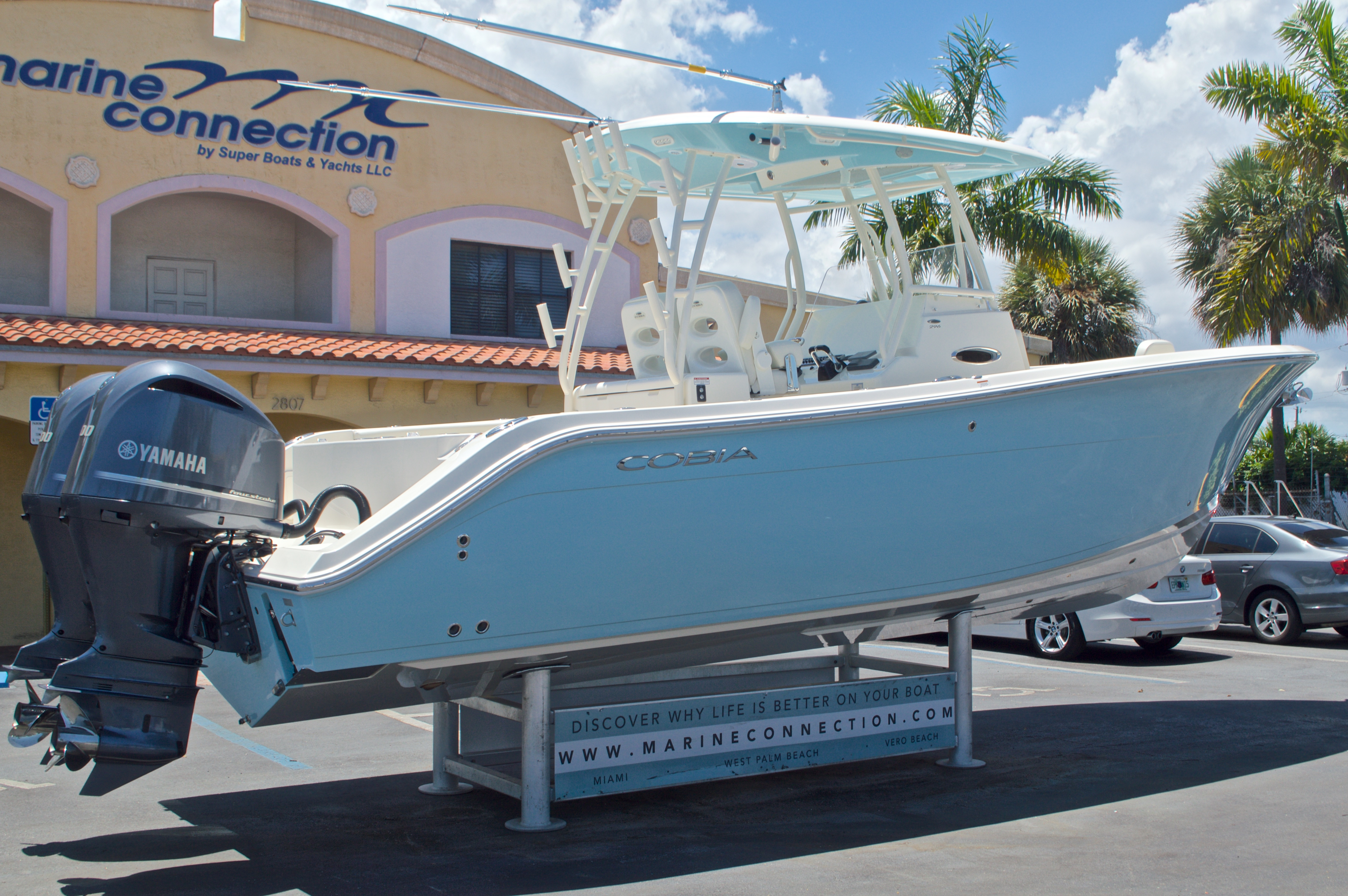 Thumbnail 9 for New 2017 Cobia 296 Center Console boat for sale in Vero Beach, FL