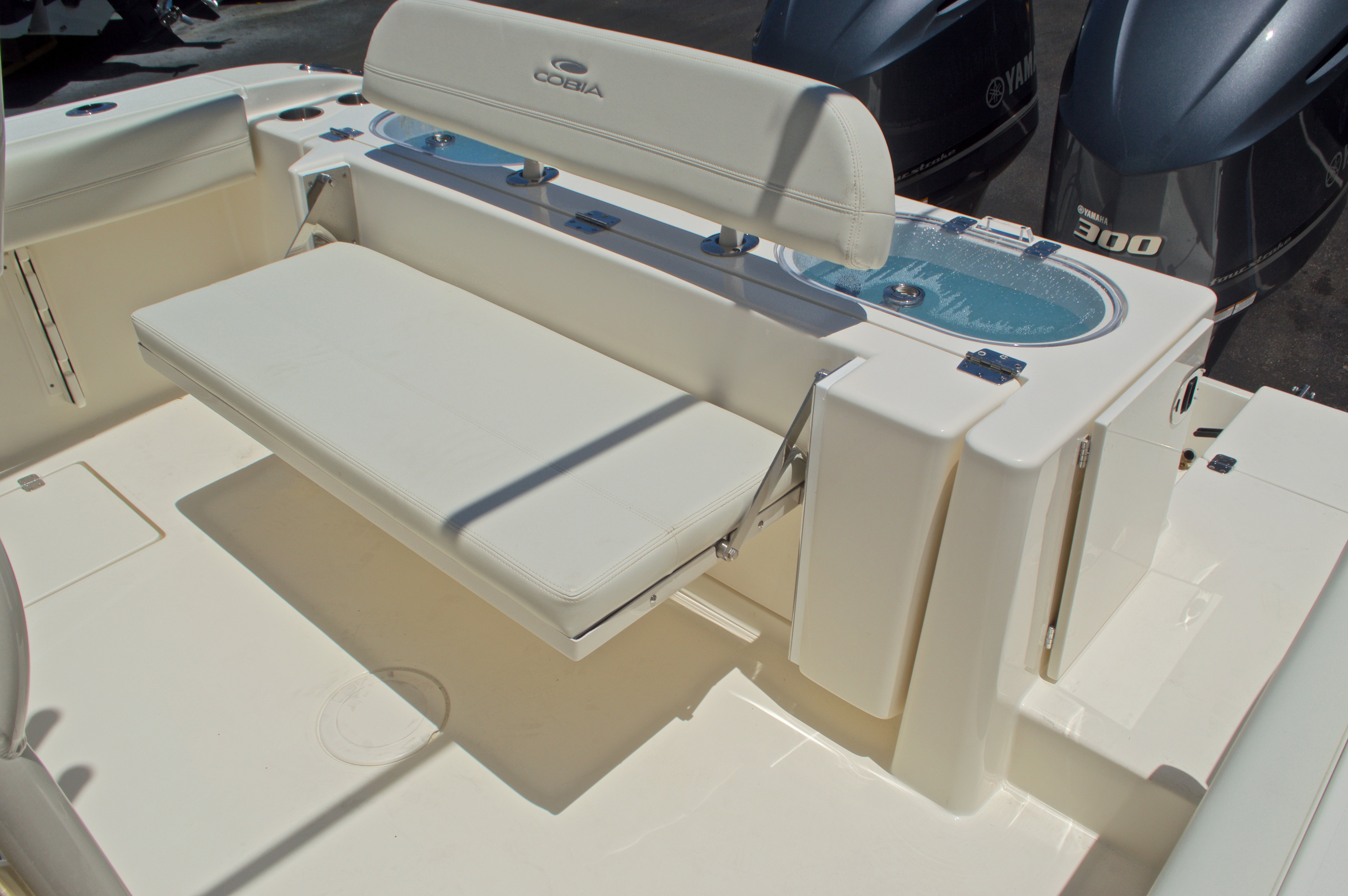 Thumbnail 14 for New 2017 Cobia 296 Center Console boat for sale in Vero Beach, FL