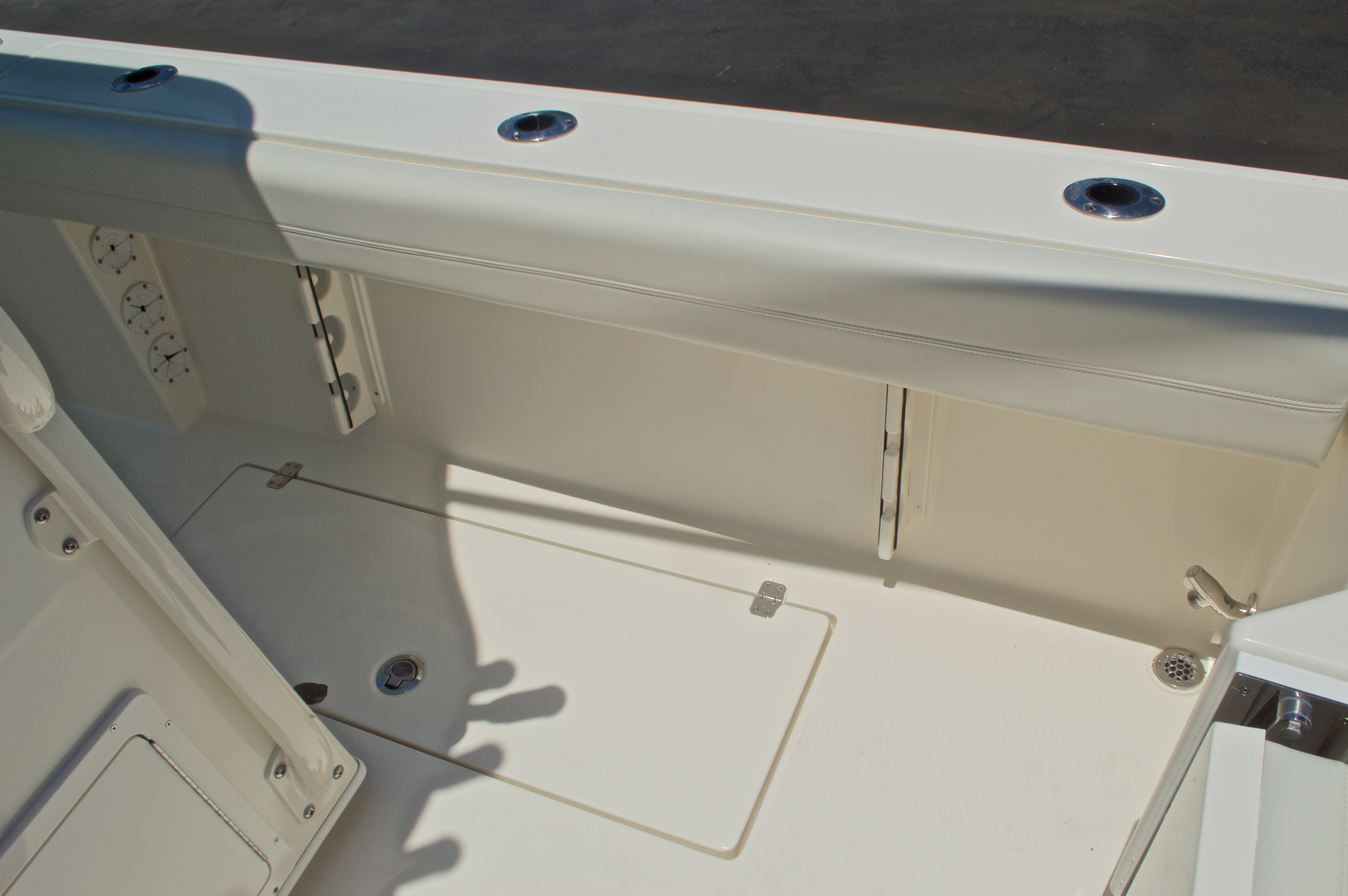Thumbnail 23 for New 2017 Cobia 296 Center Console boat for sale in Vero Beach, FL