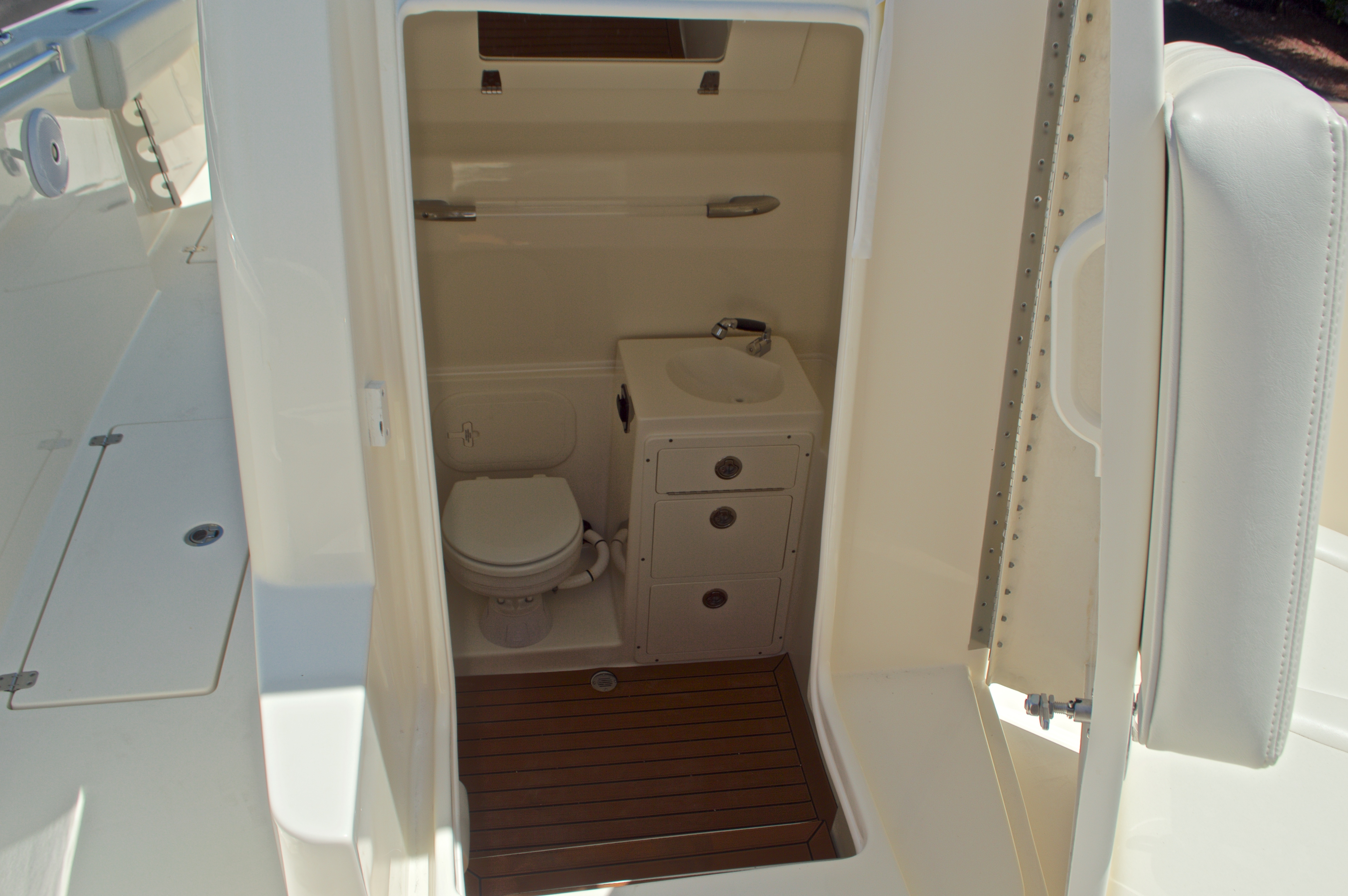 Thumbnail 54 for New 2017 Cobia 296 Center Console boat for sale in Vero Beach, FL