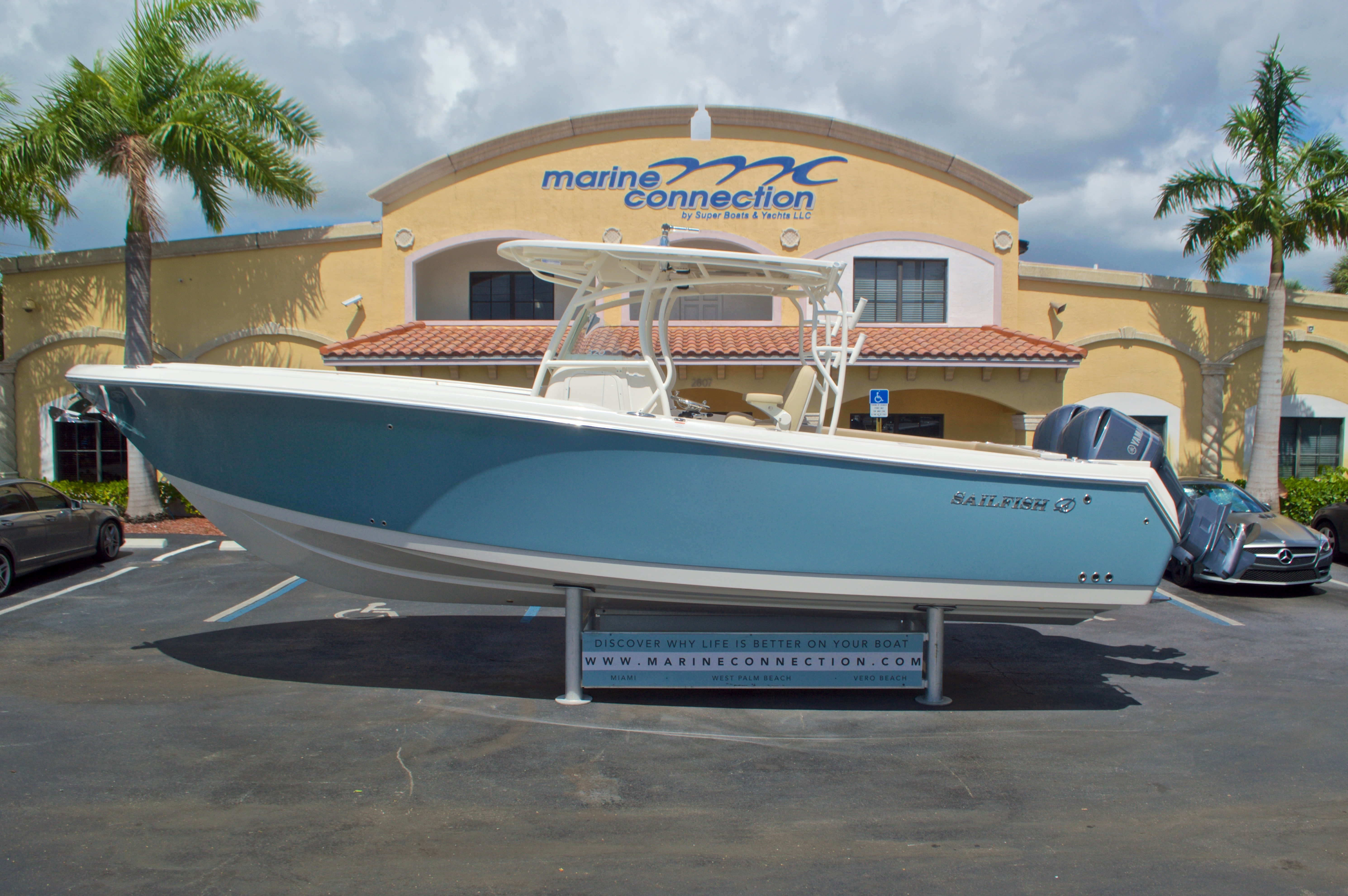 Thumbnail 0 for New 2017 Sailfish 320 CC Center Console boat for sale in Vero Beach, FL