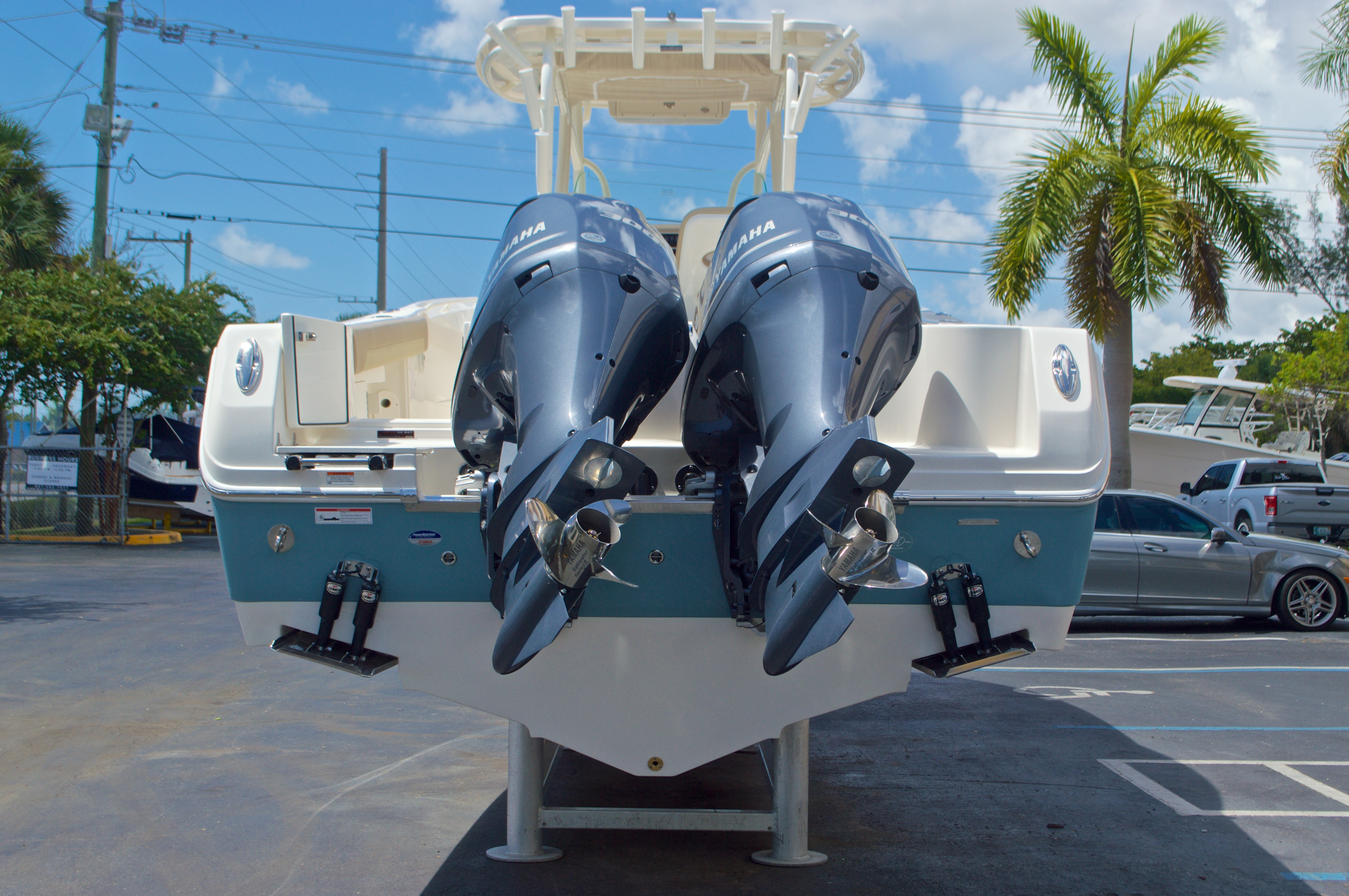 Thumbnail 2 for New 2017 Sailfish 320 CC Center Console boat for sale in Vero Beach, FL