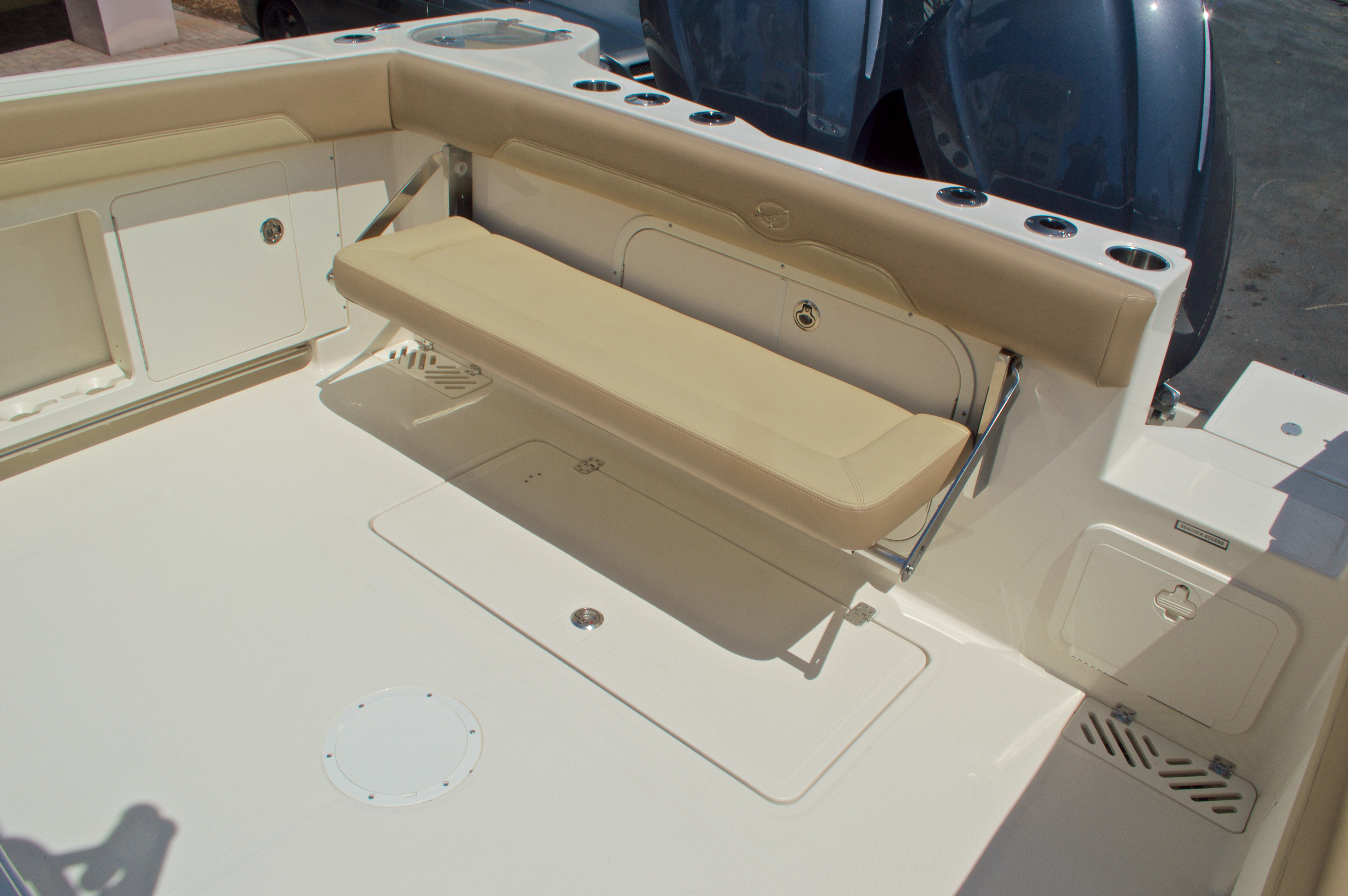 Thumbnail 12 for New 2017 Sailfish 320 CC Center Console boat for sale in Vero Beach, FL