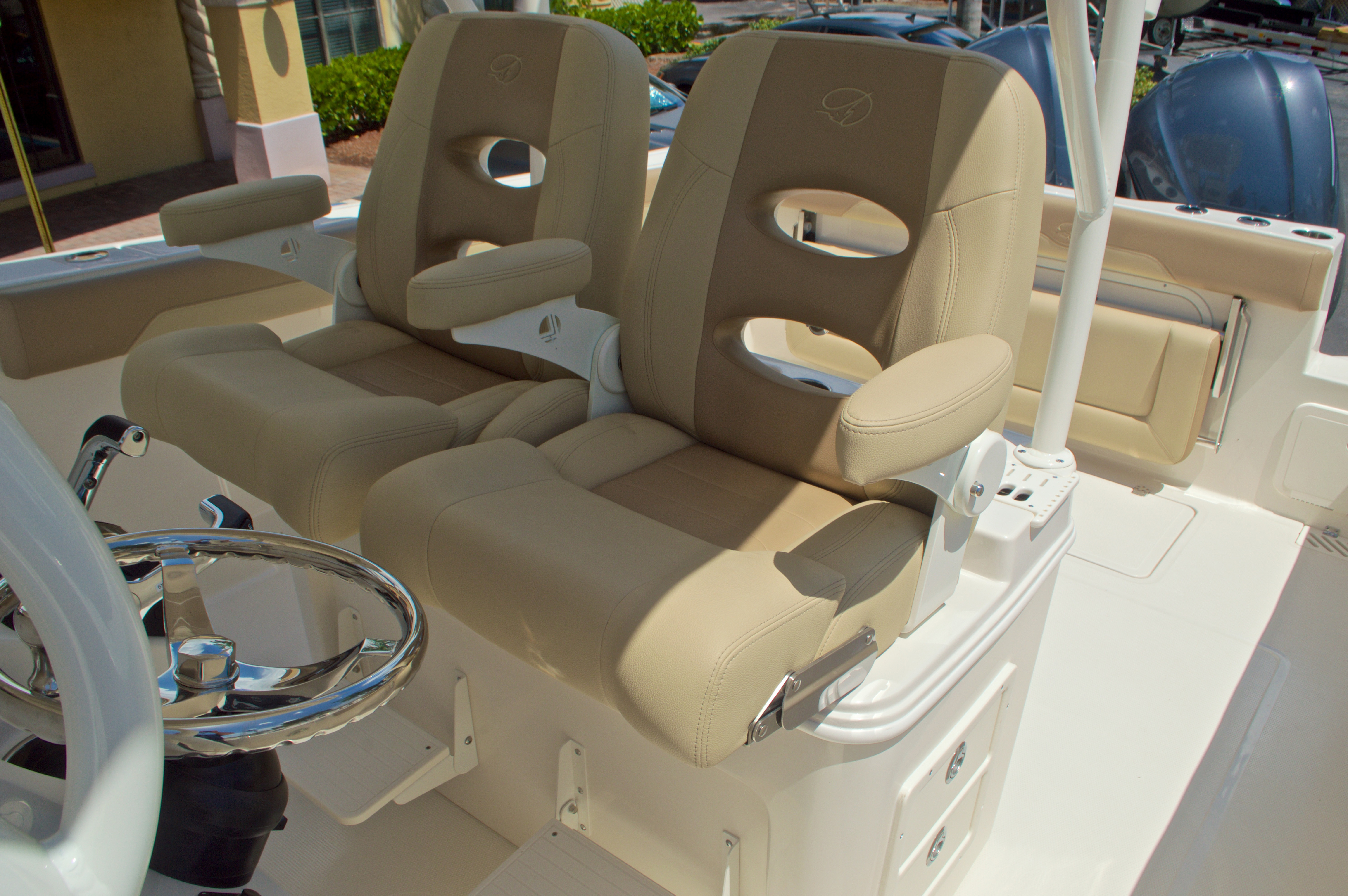 Thumbnail 35 for New 2017 Sailfish 320 CC Center Console boat for sale in Vero Beach, FL