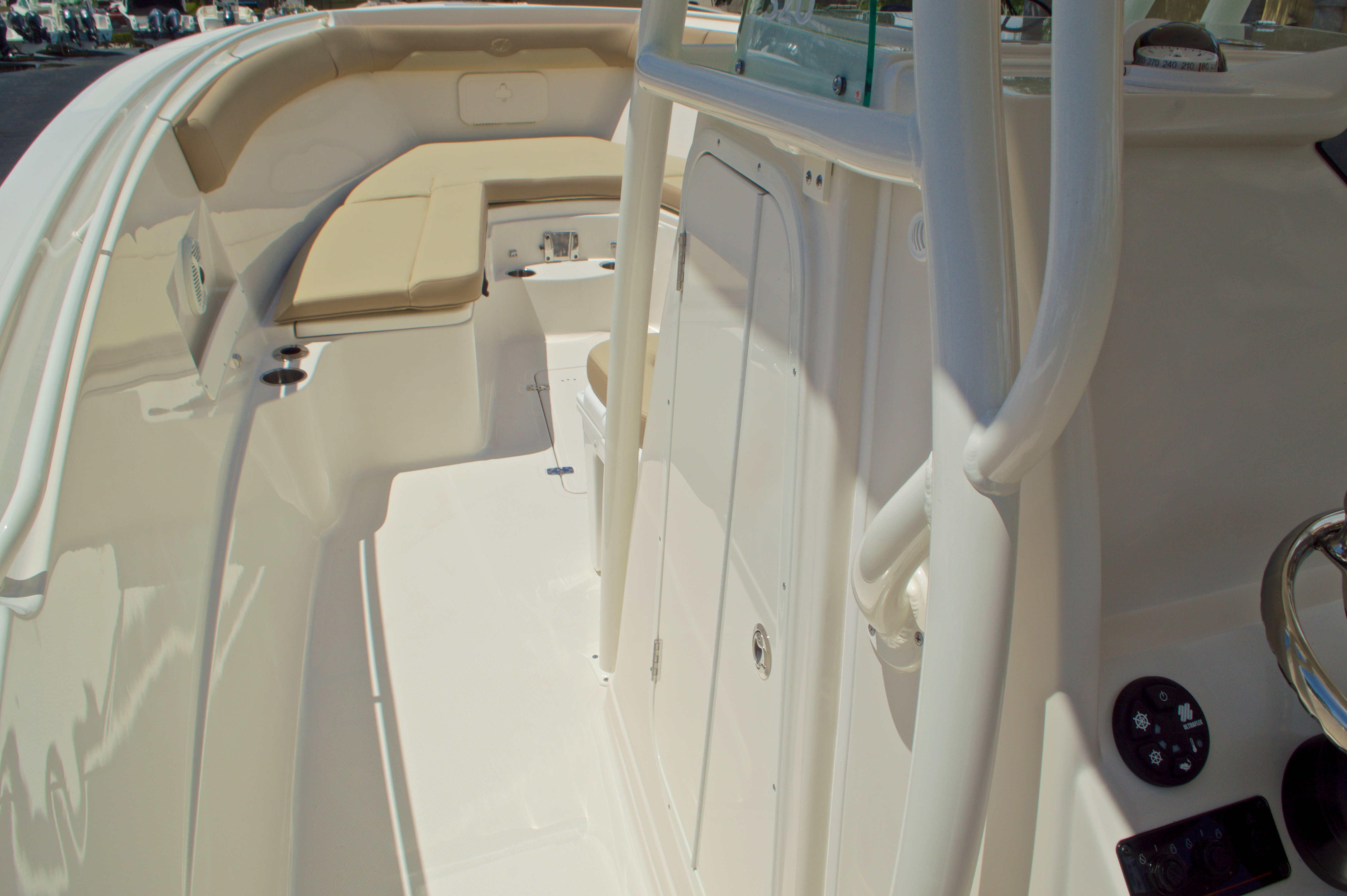 Thumbnail 49 for New 2017 Sailfish 320 CC Center Console boat for sale in Vero Beach, FL