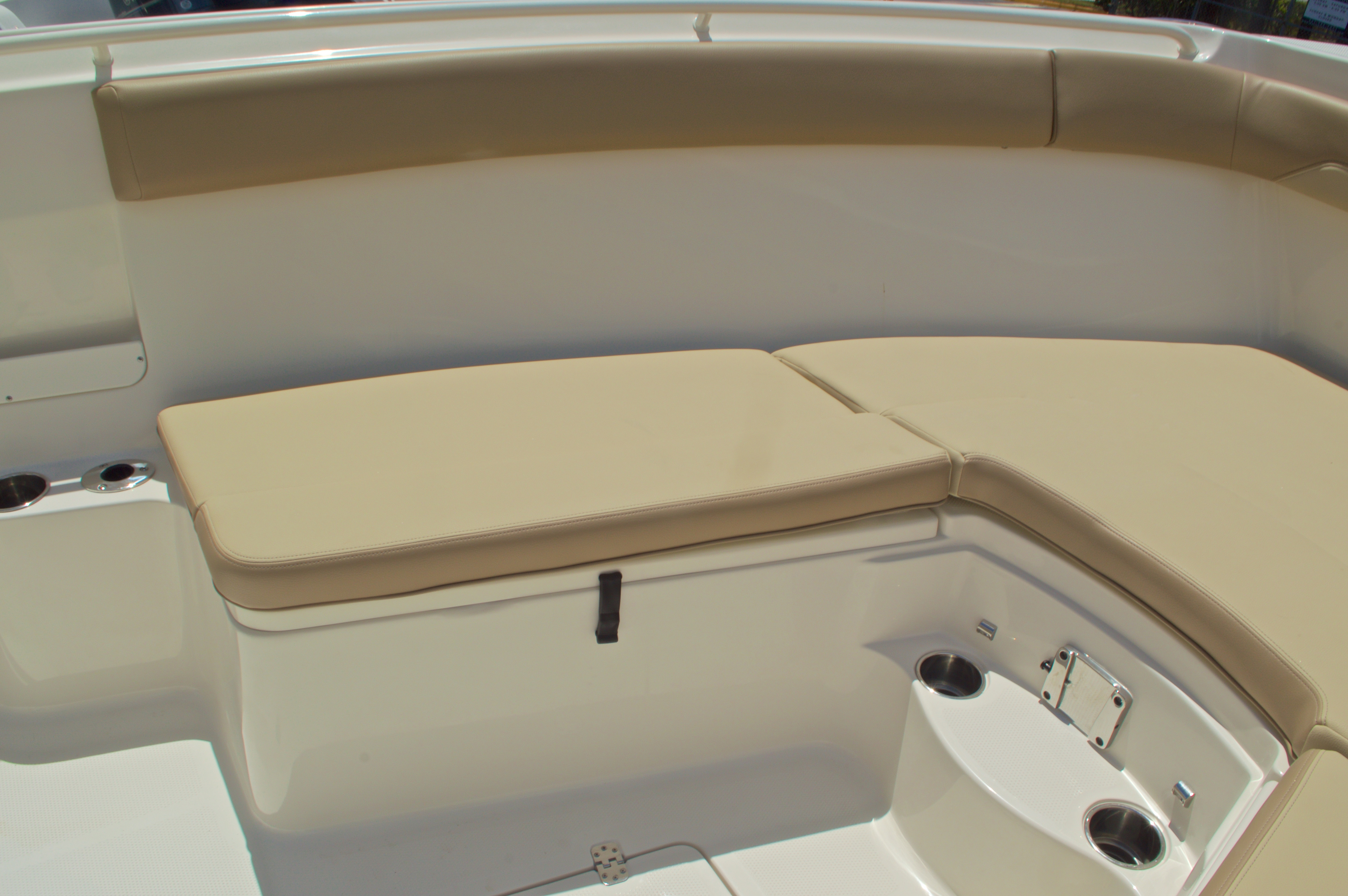 Thumbnail 56 for New 2017 Sailfish 320 CC Center Console boat for sale in Vero Beach, FL