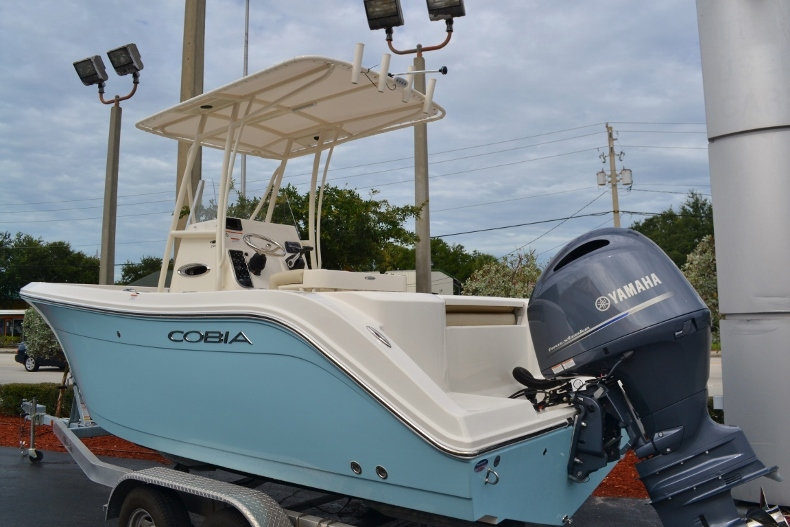 Thumbnail 1 for New 2017 Cobia 201 Center Console boat for sale in Vero Beach, FL
