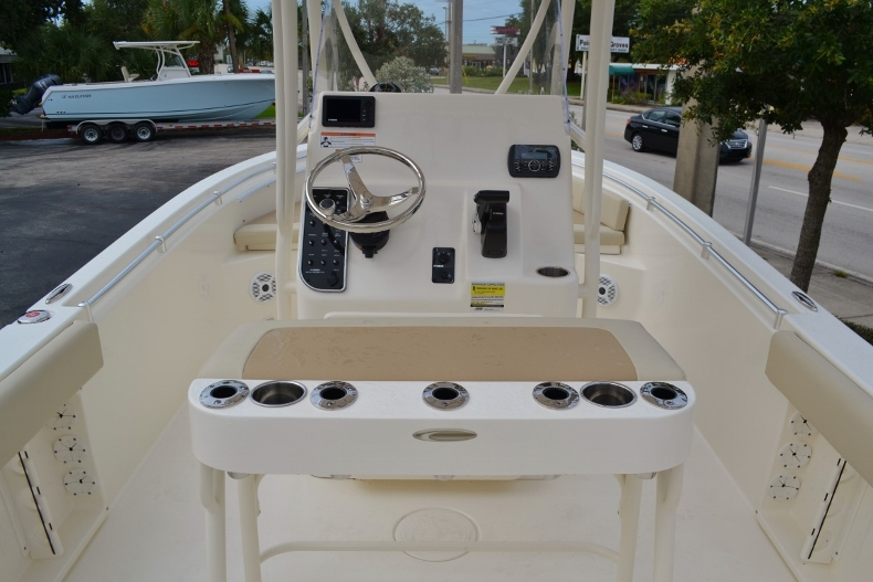 Thumbnail 9 for New 2017 Cobia 201 Center Console boat for sale in Vero Beach, FL