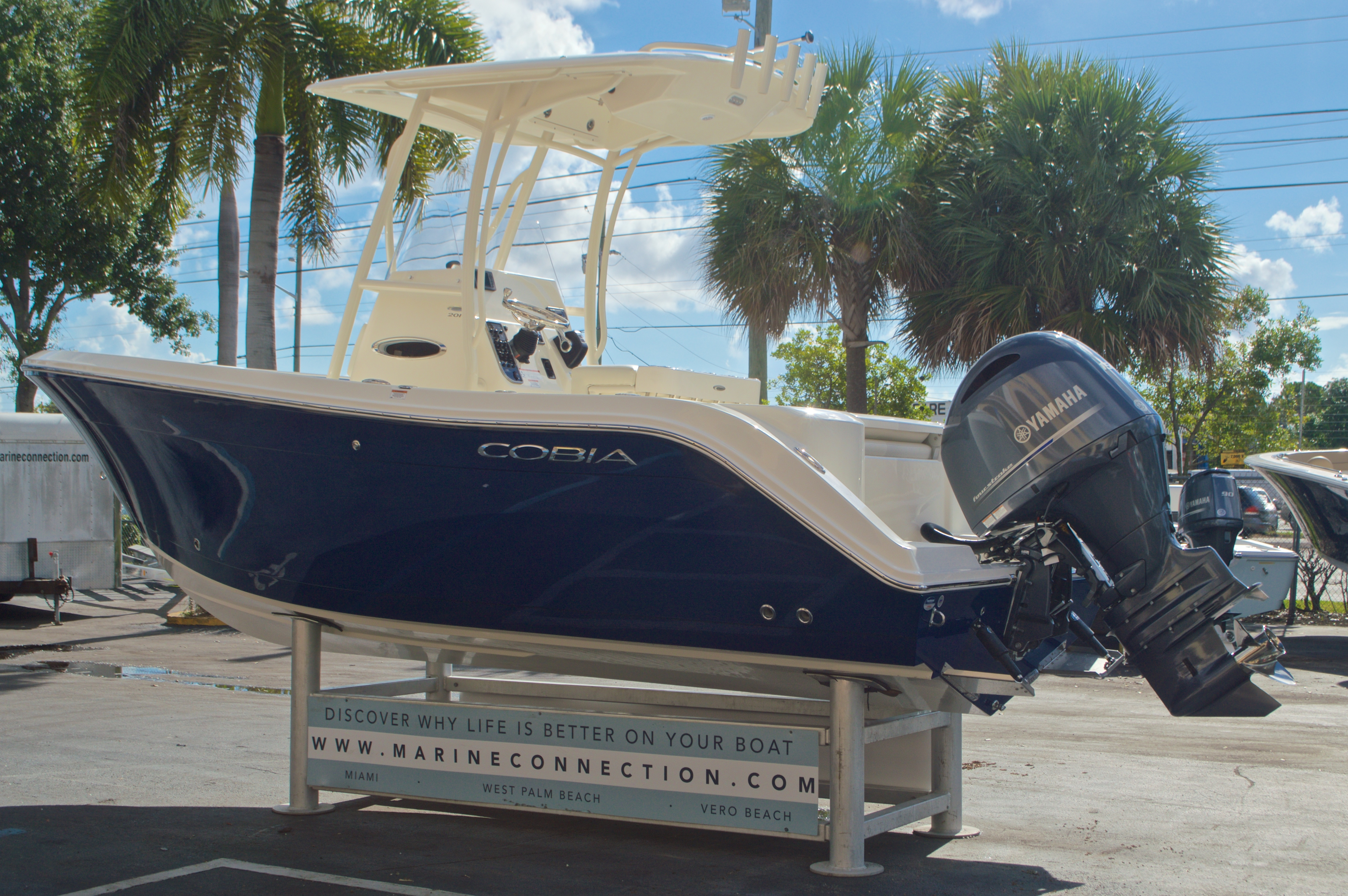 Thumbnail 6 for New 2017 Cobia 201 Center Console boat for sale in Miami, FL