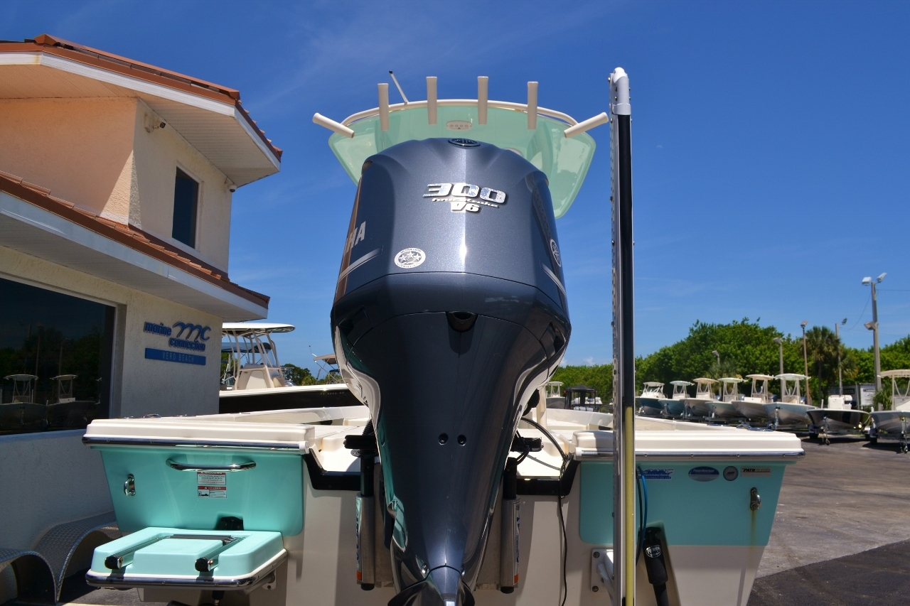 Thumbnail 5 for Used 2015 Pathfinder 2400 TRS Bay Boat boat for sale in Vero Beach, FL