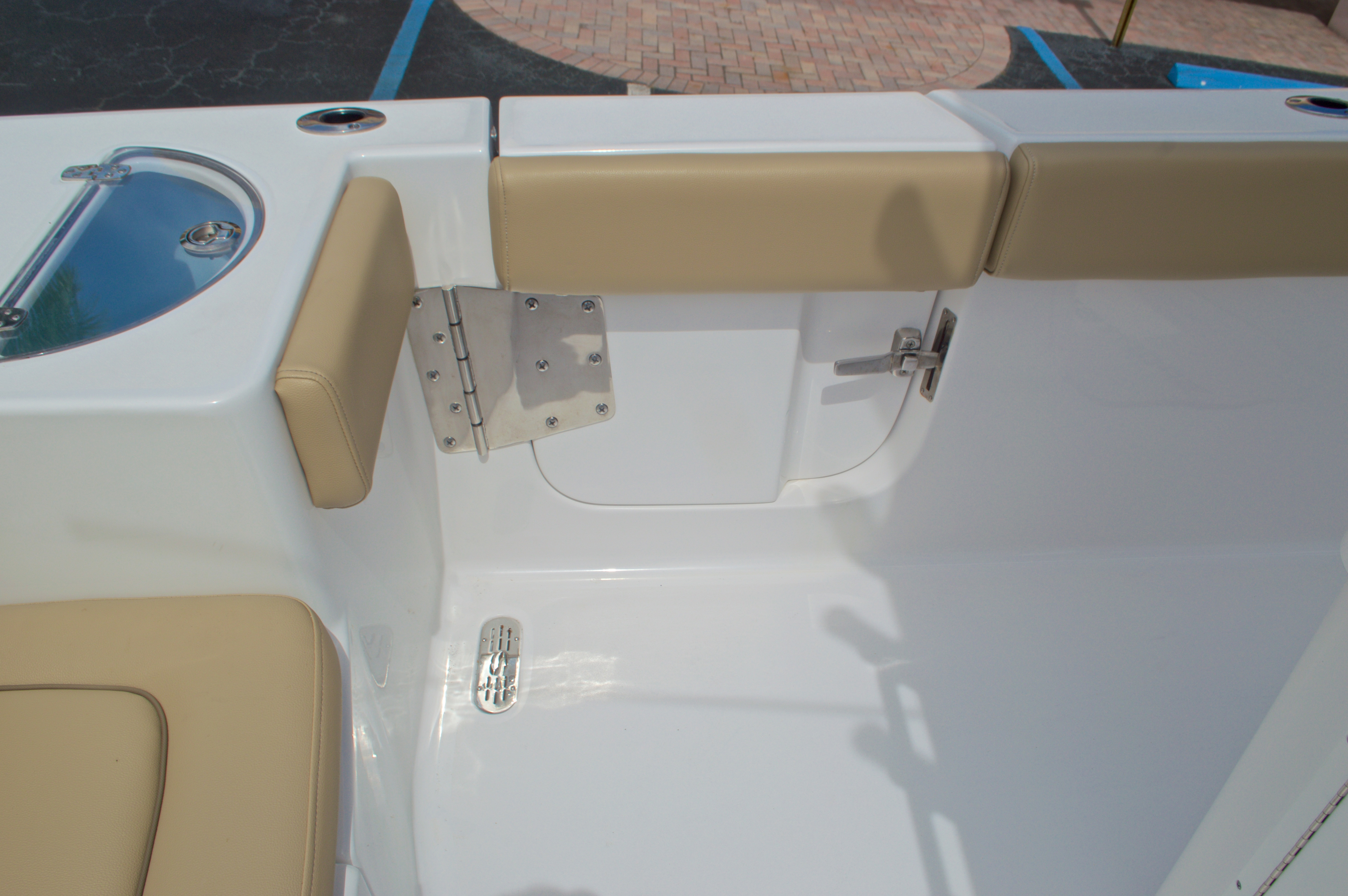 Thumbnail 21 for Used 2015 Sportsman Heritage 251 Center Console boat for sale in West Palm Beach, FL