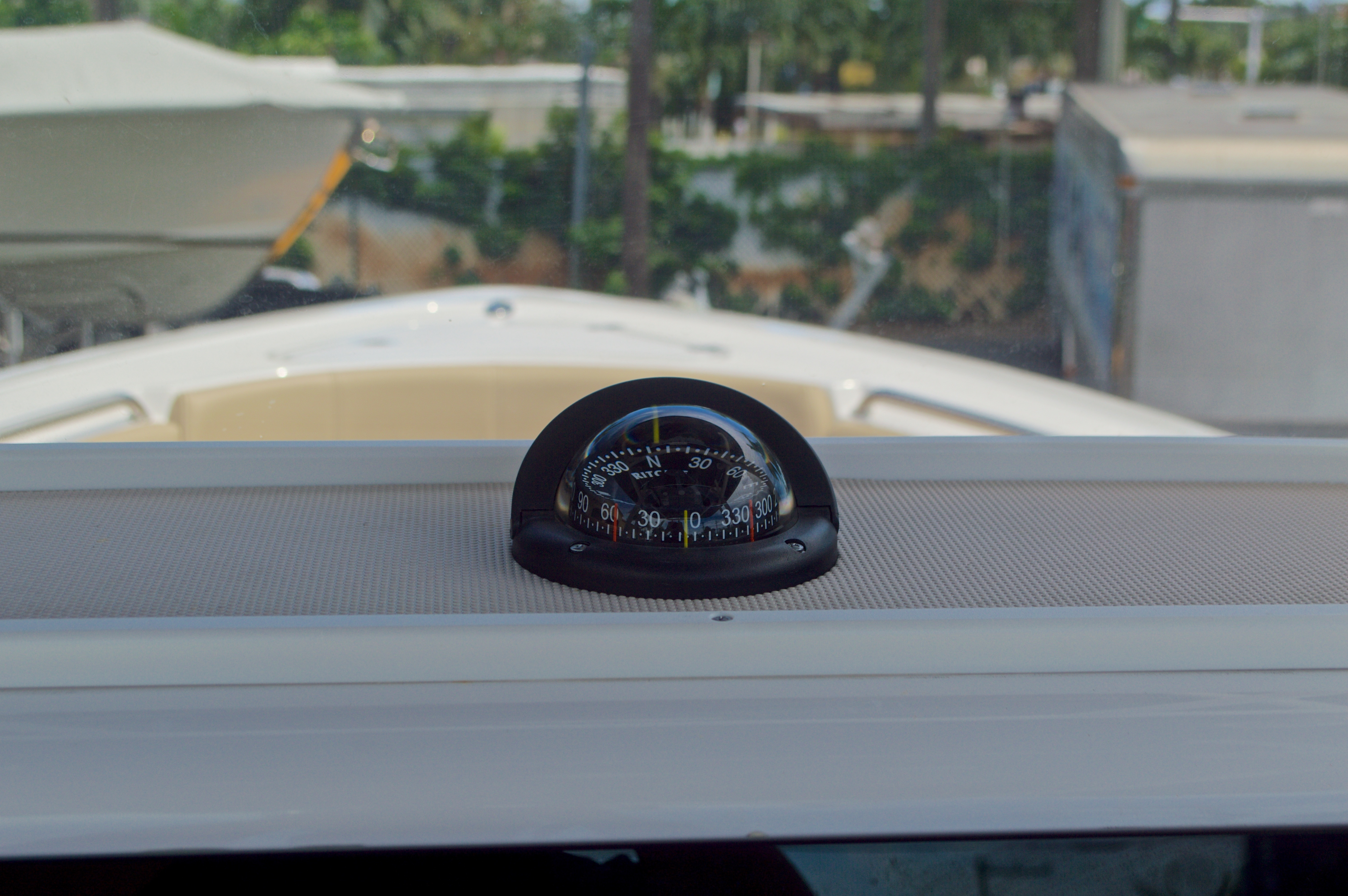 Thumbnail 32 for Used 2015 Sportsman Heritage 251 Center Console boat for sale in West Palm Beach, FL