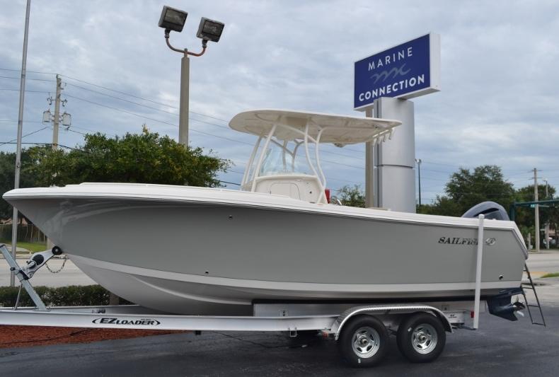 Thumbnail 1 for New 2017 Sailfish 240 CC Center Console boat for sale in Vero Beach, FL