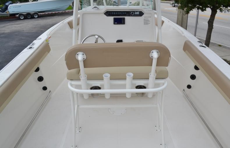 Thumbnail 11 for New 2017 Sailfish 240 CC Center Console boat for sale in Vero Beach, FL