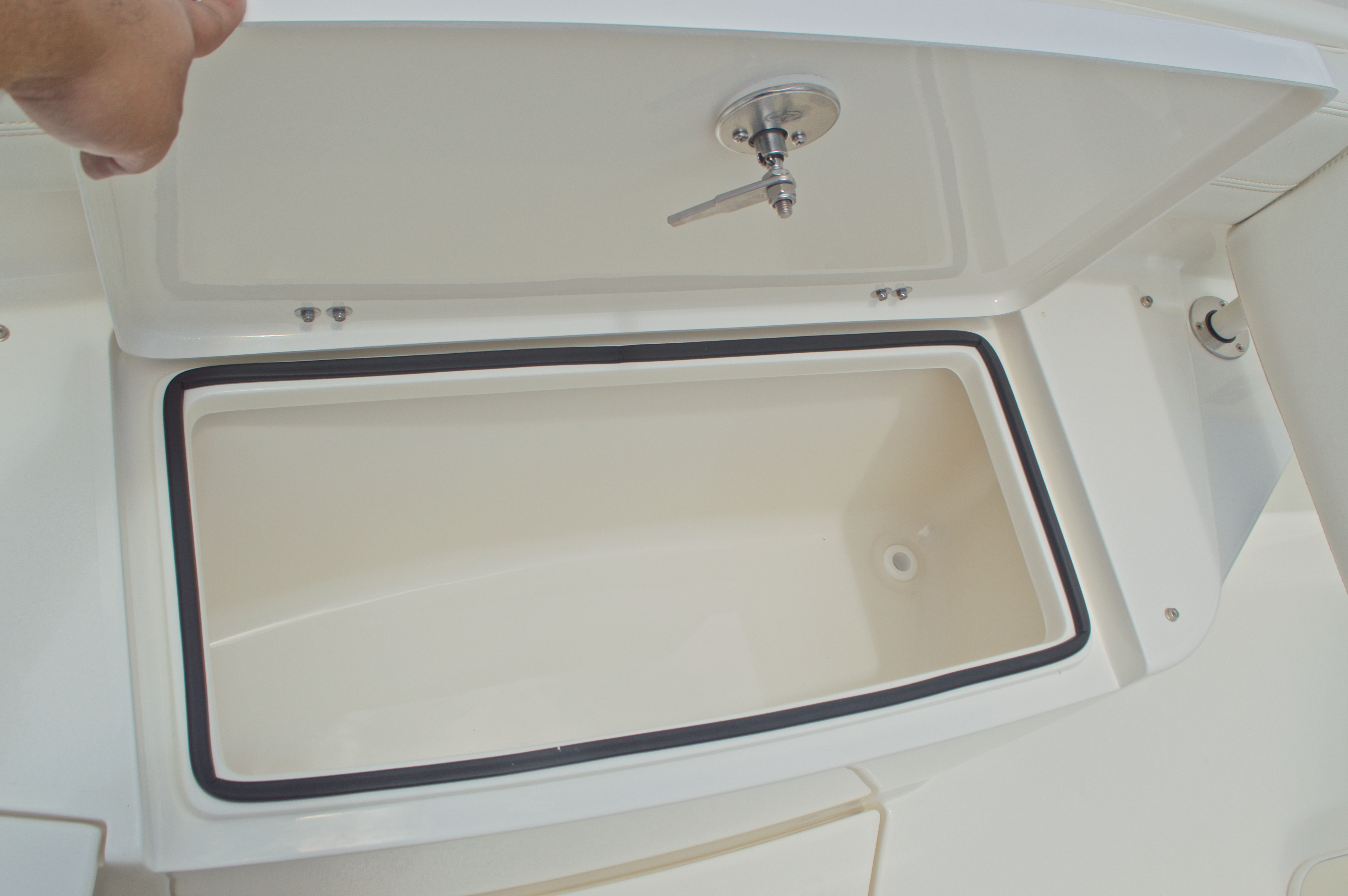 Thumbnail 67 for New 2017 Cobia 296 Center Console boat for sale in West Palm Beach, FL