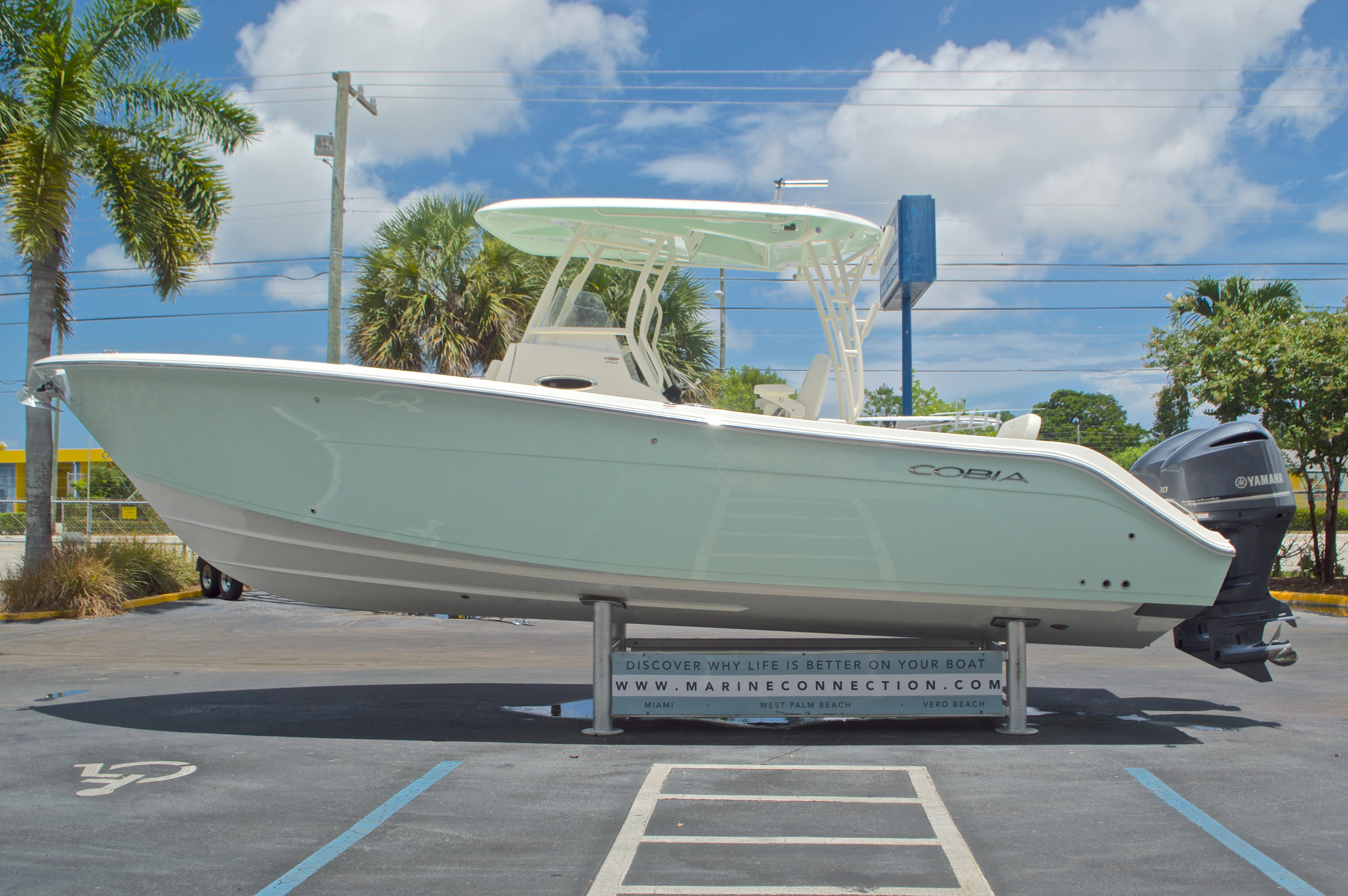 Thumbnail 5 for New 2017 Cobia 296 Center Console boat for sale in West Palm Beach, FL