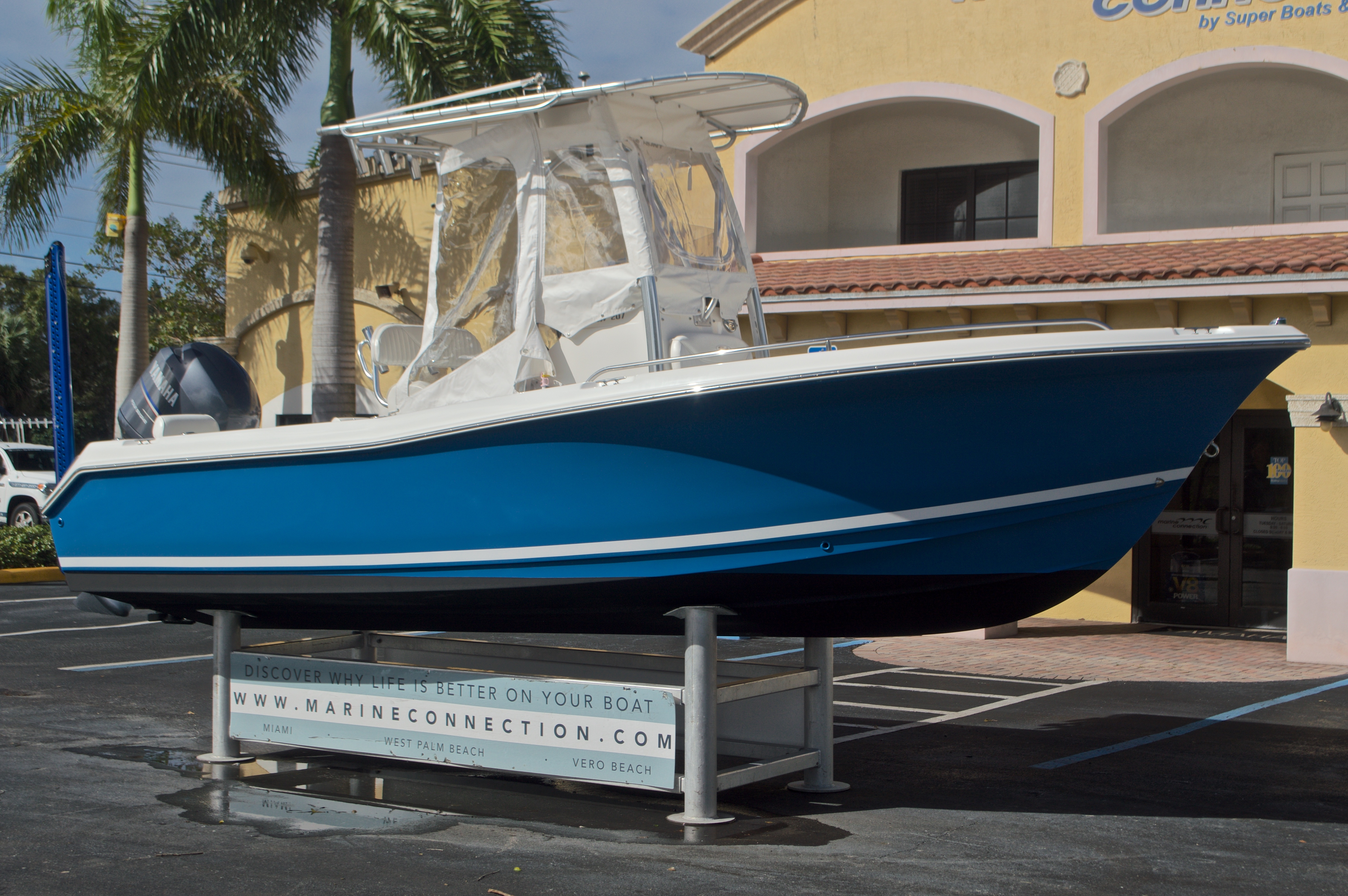 Thumbnail 1 for Used 2009 Sea Hunt 207 Triton boat for sale in West Palm Beach, FL