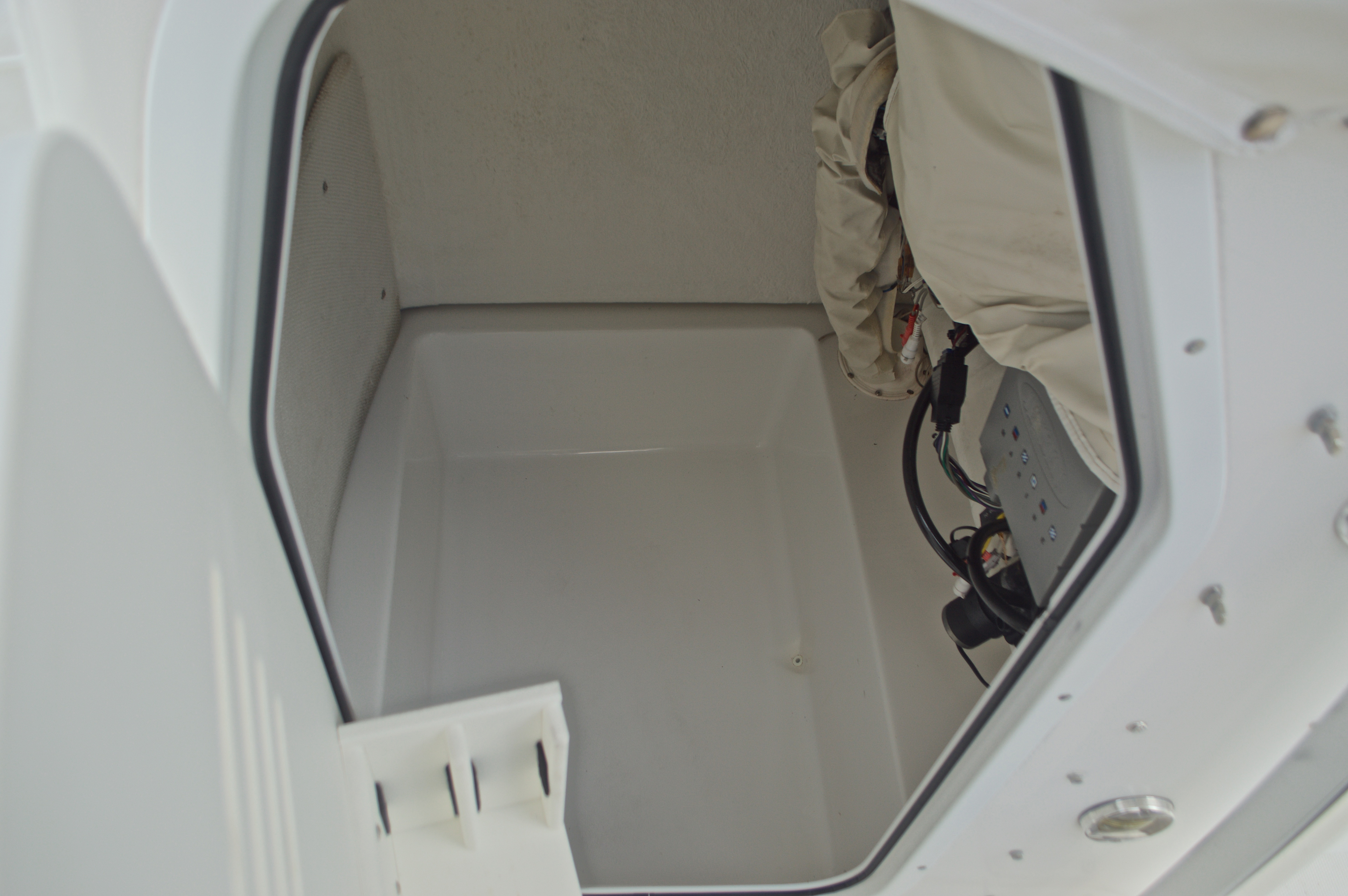 Thumbnail 47 for Used 2009 Sea Hunt 207 Triton boat for sale in West Palm Beach, FL