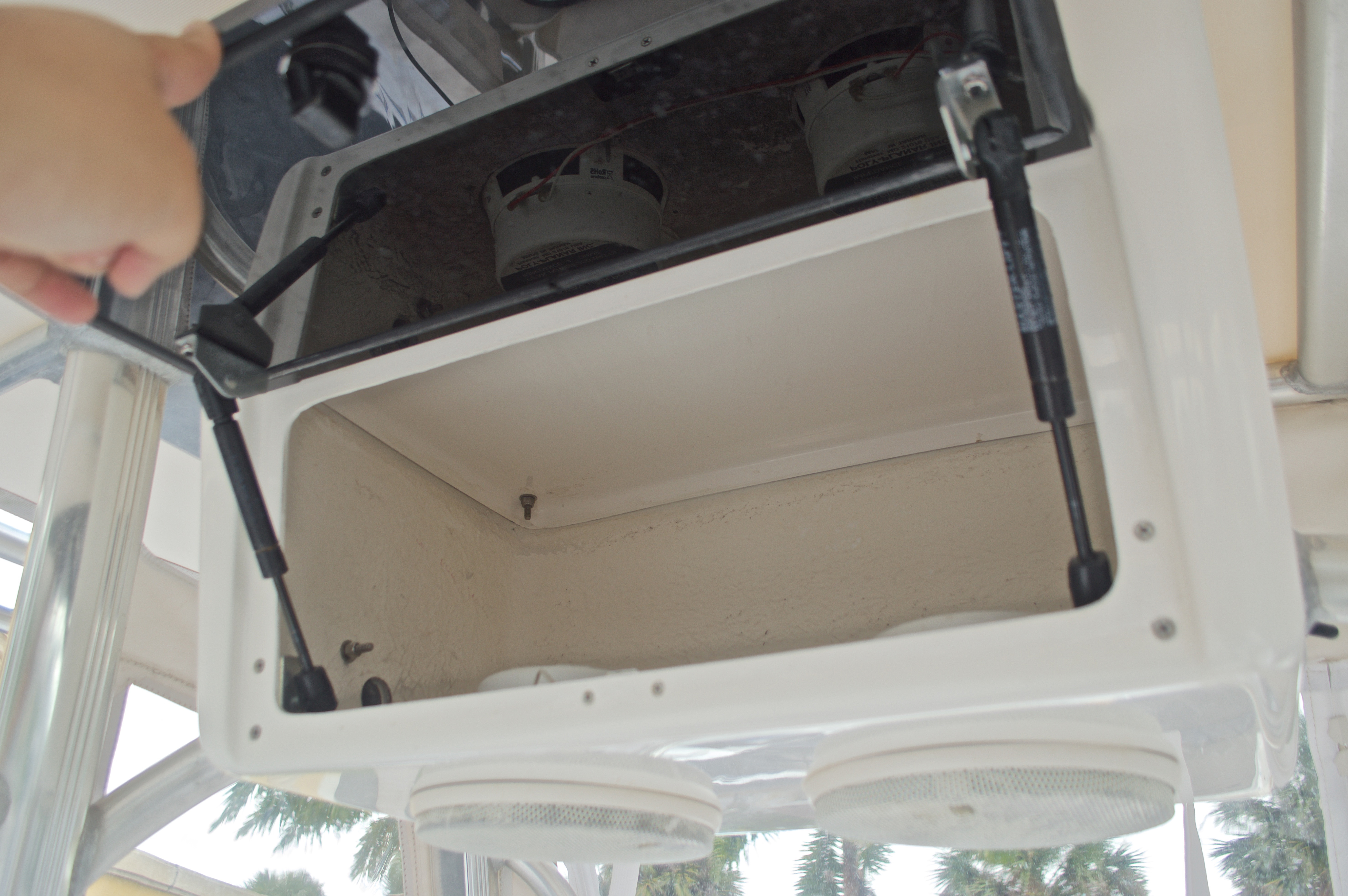 Thumbnail 28 for Used 2009 Sea Hunt 207 Triton boat for sale in West Palm Beach, FL