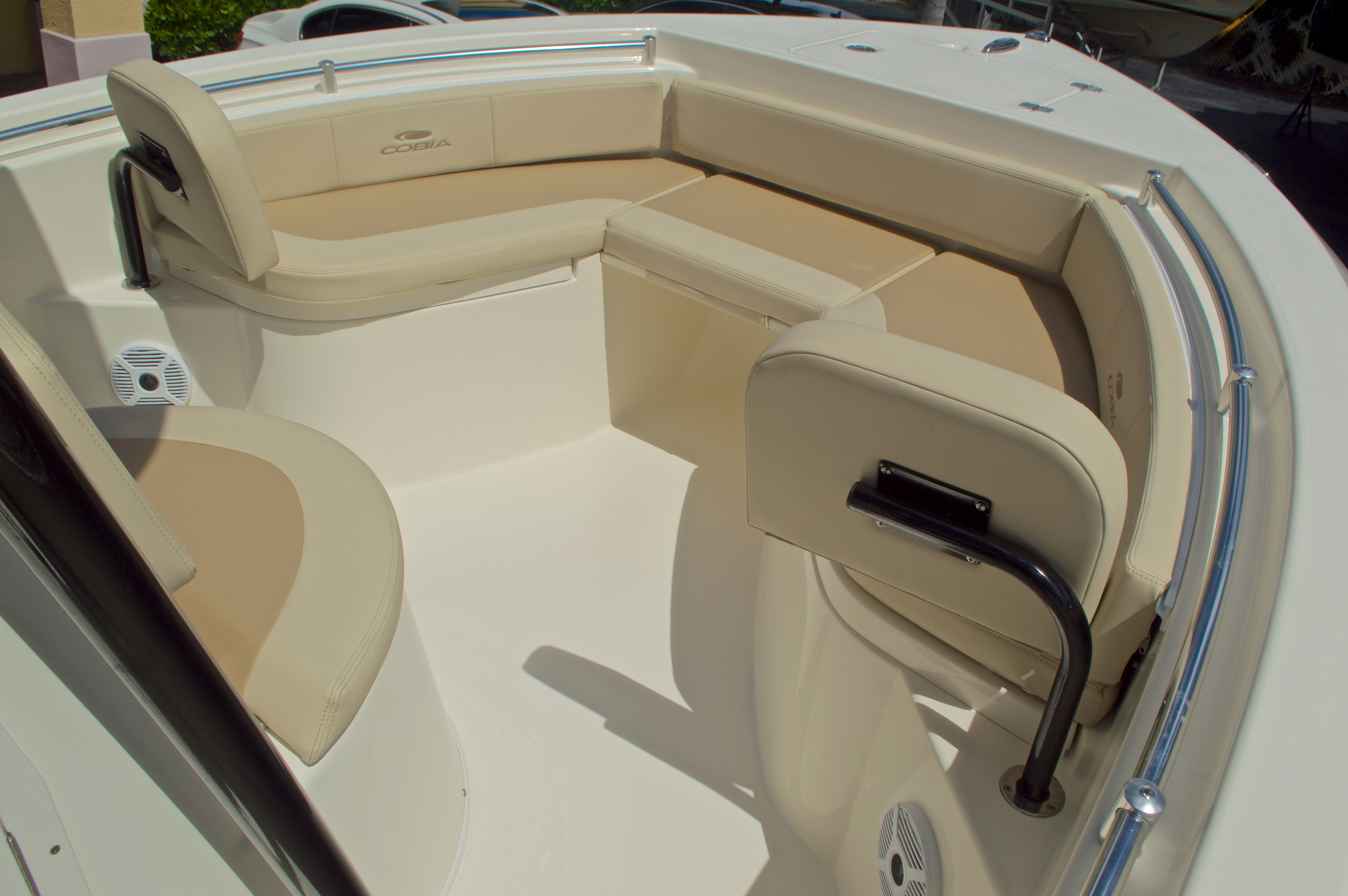 Thumbnail 40 for New 2017 Cobia 220 Center Console boat for sale in Vero Beach, FL