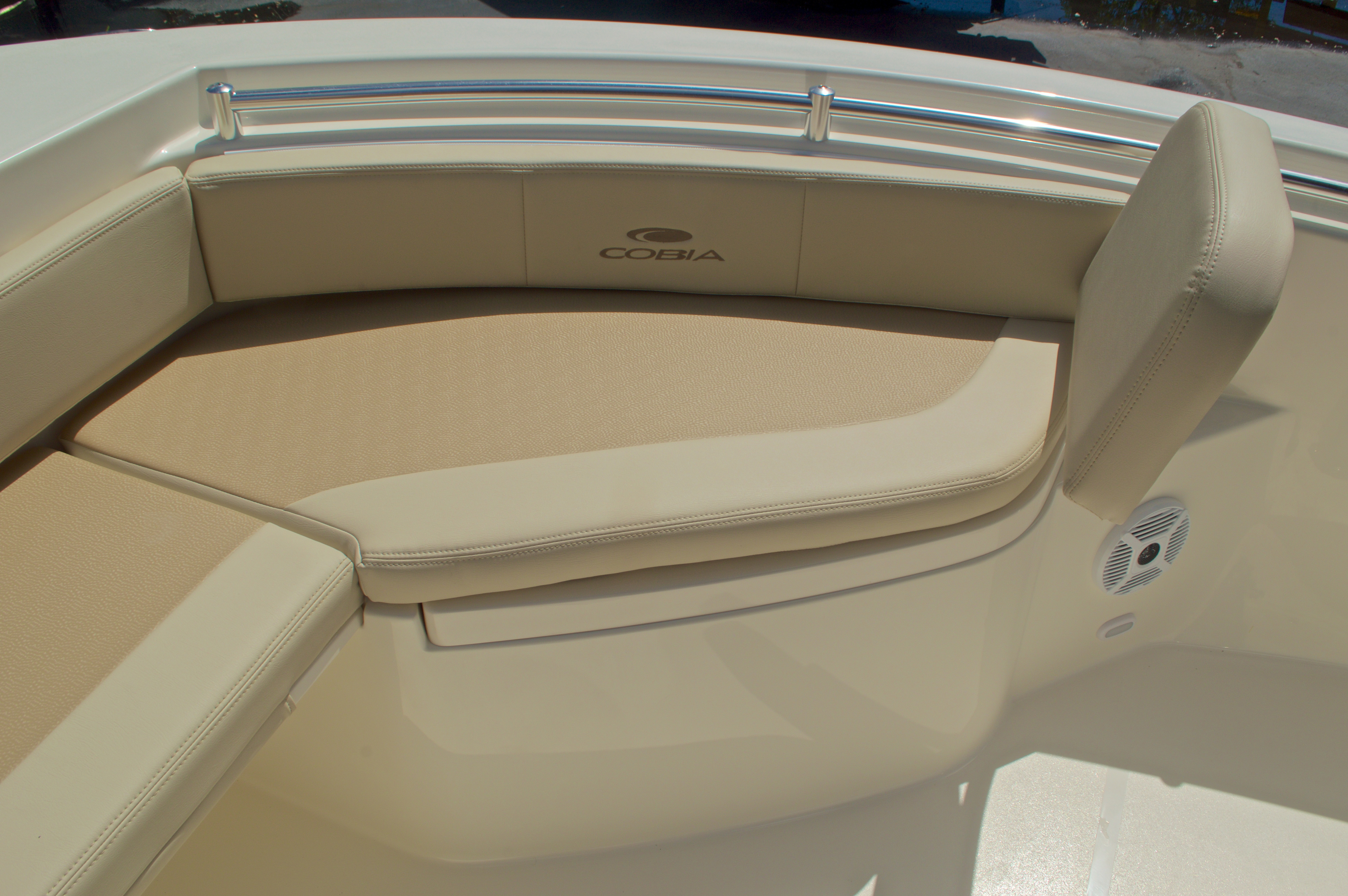 Thumbnail 44 for New 2017 Cobia 220 Center Console boat for sale in Vero Beach, FL
