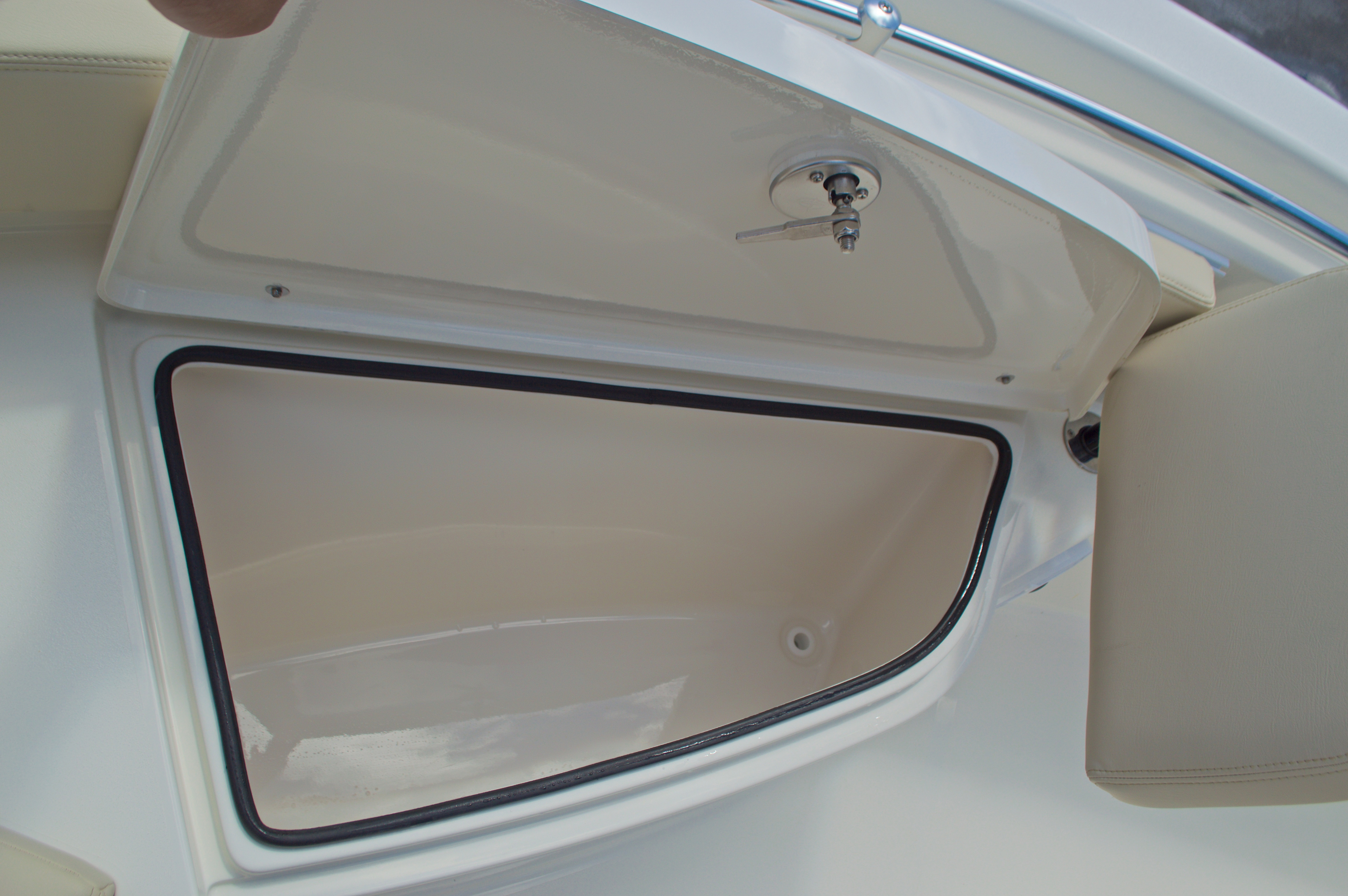 Thumbnail 45 for New 2017 Cobia 220 Center Console boat for sale in Vero Beach, FL