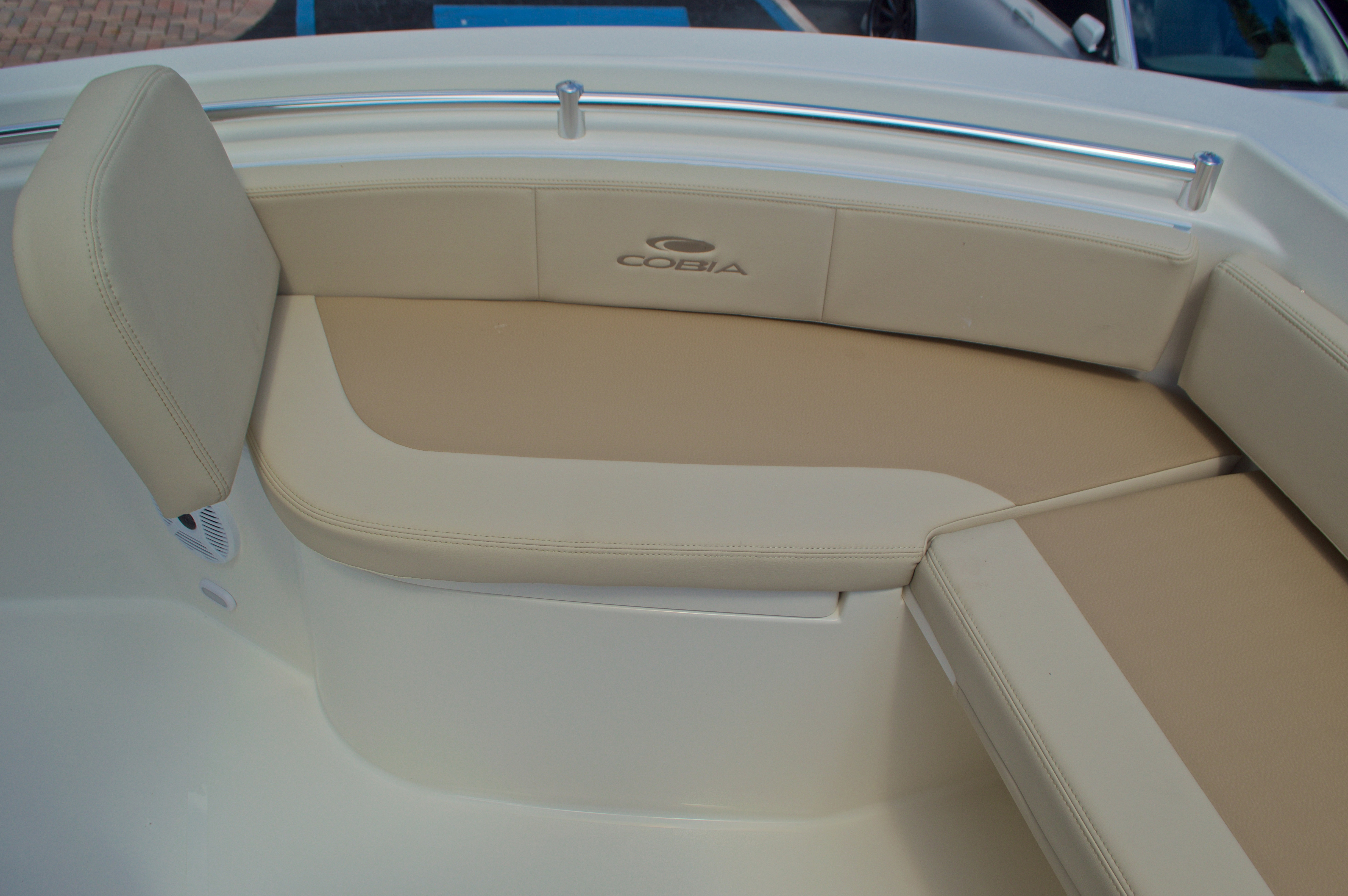 Thumbnail 46 for New 2017 Cobia 220 Center Console boat for sale in Vero Beach, FL