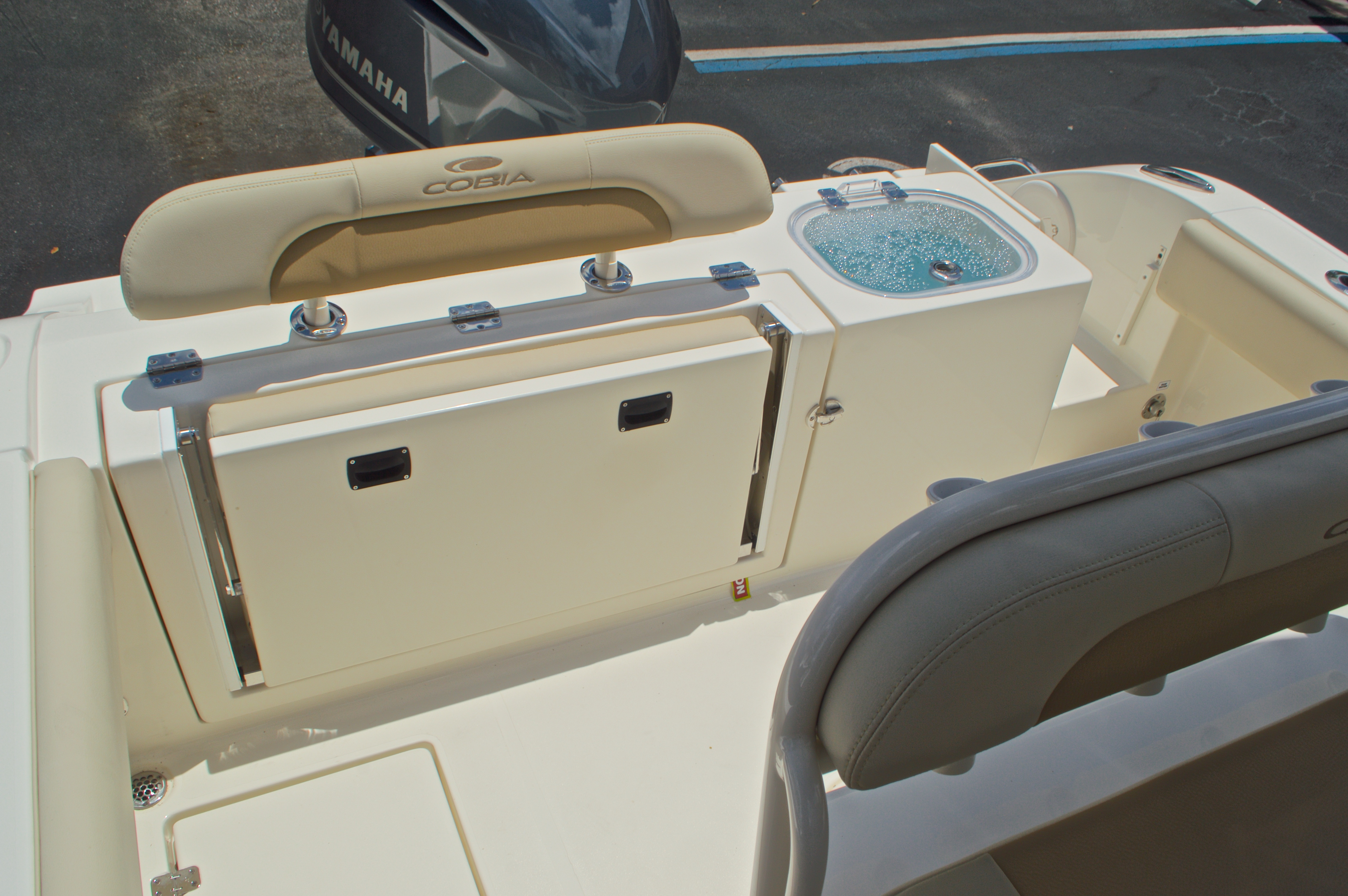 Thumbnail 13 for New 2017 Cobia 237 Center Console boat for sale in West Palm Beach, FL