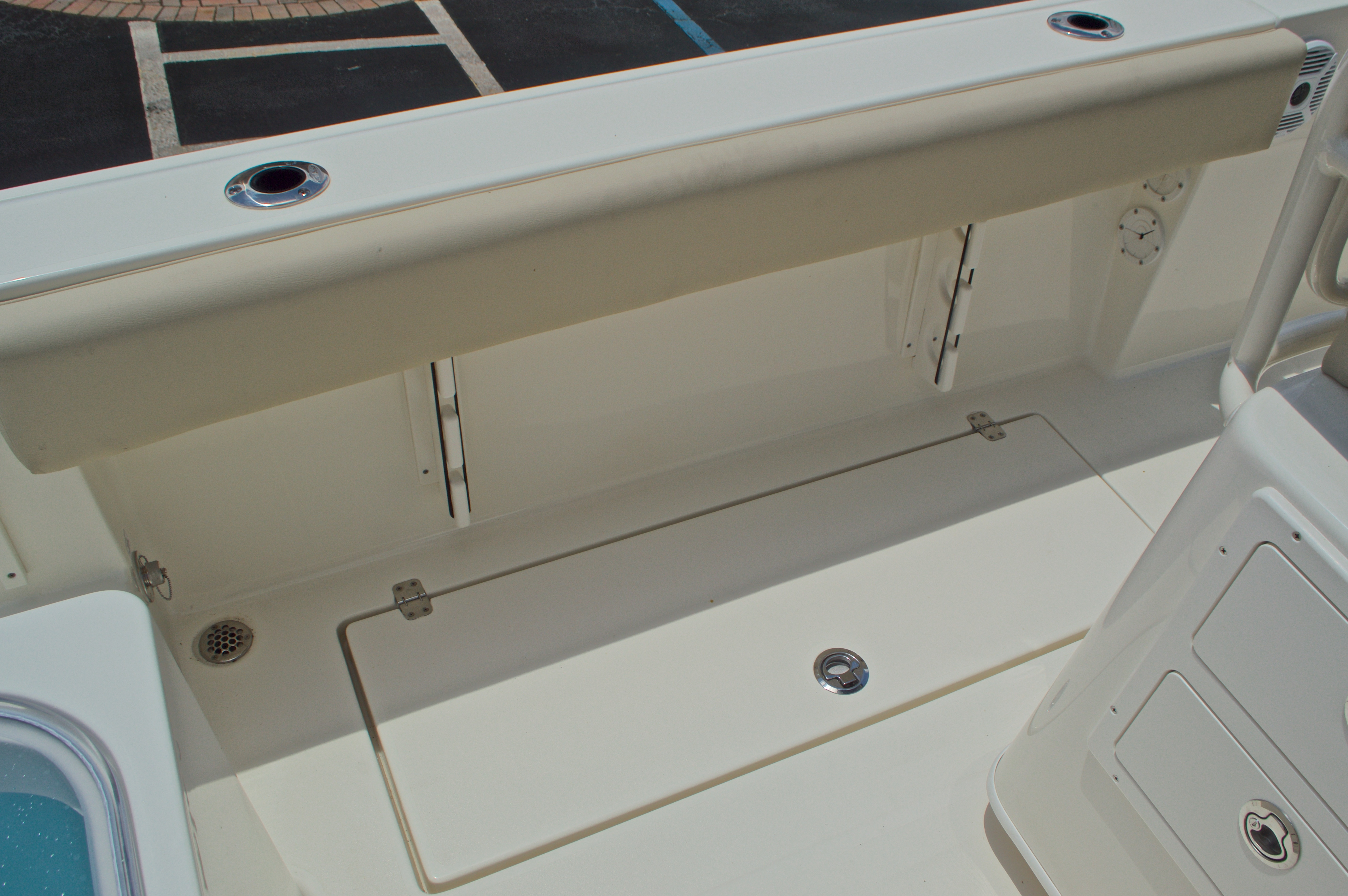 Thumbnail 22 for New 2017 Cobia 237 Center Console boat for sale in West Palm Beach, FL
