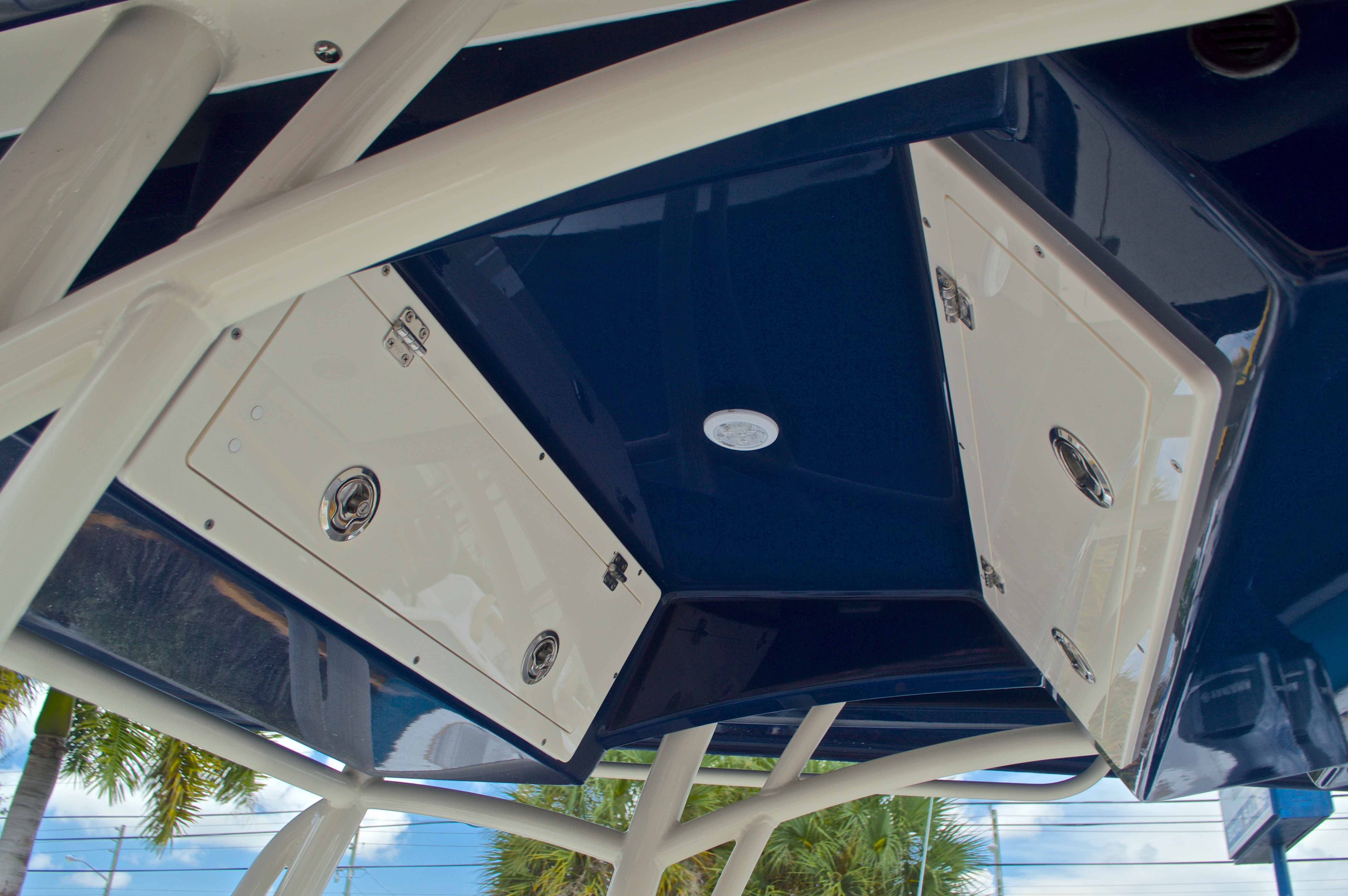 Thumbnail 31 for New 2017 Cobia 237 Center Console boat for sale in West Palm Beach, FL